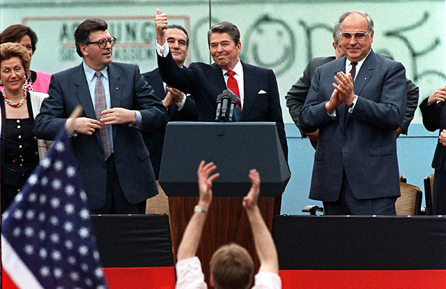 FLASHBACK: Berlin Wall speech set Ronald Reagan apart - Washington ...