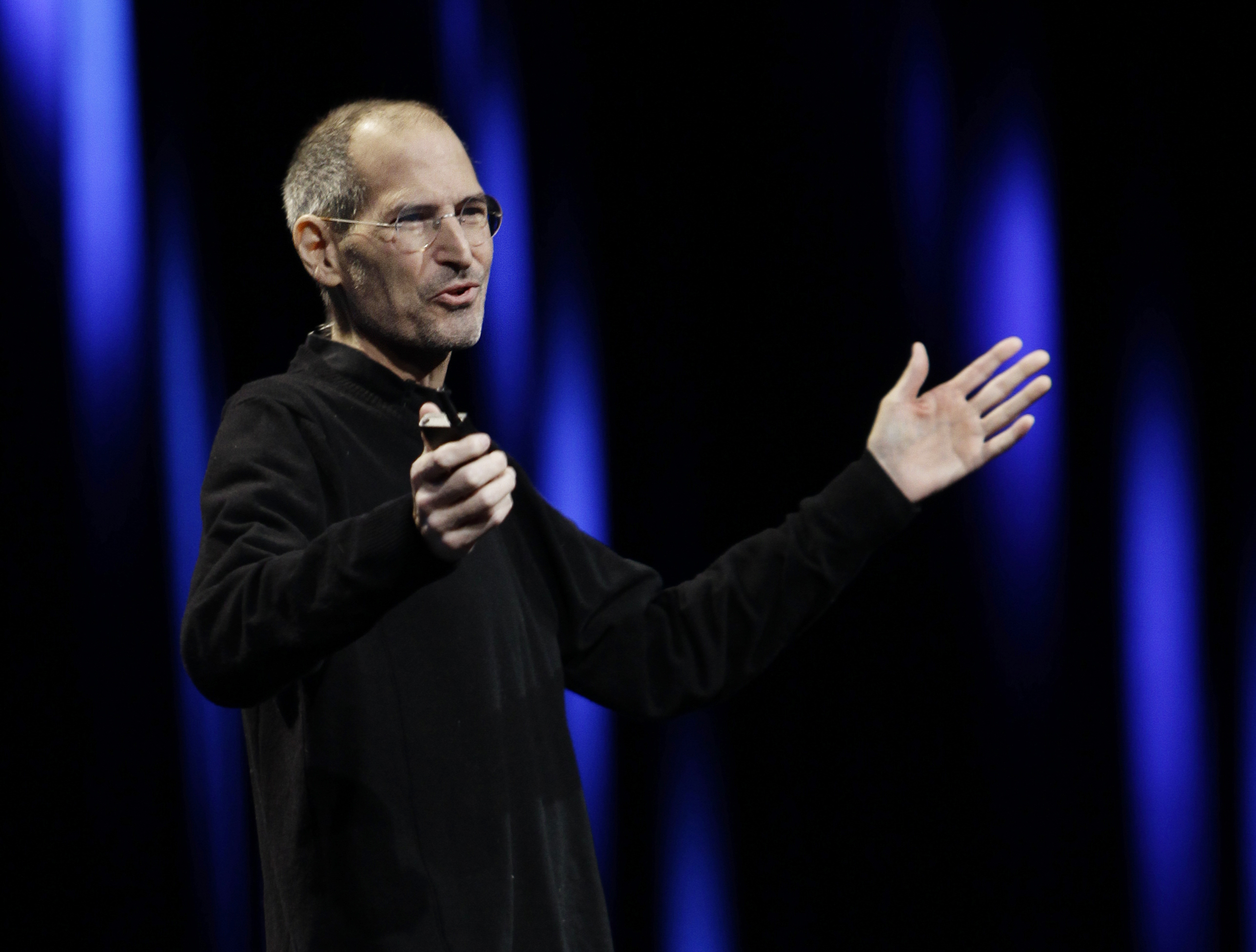 lisa brennan jobs bio news photos washington times apple ceo steve jobs gestures to his audience during a keynote address to the apple worldwide