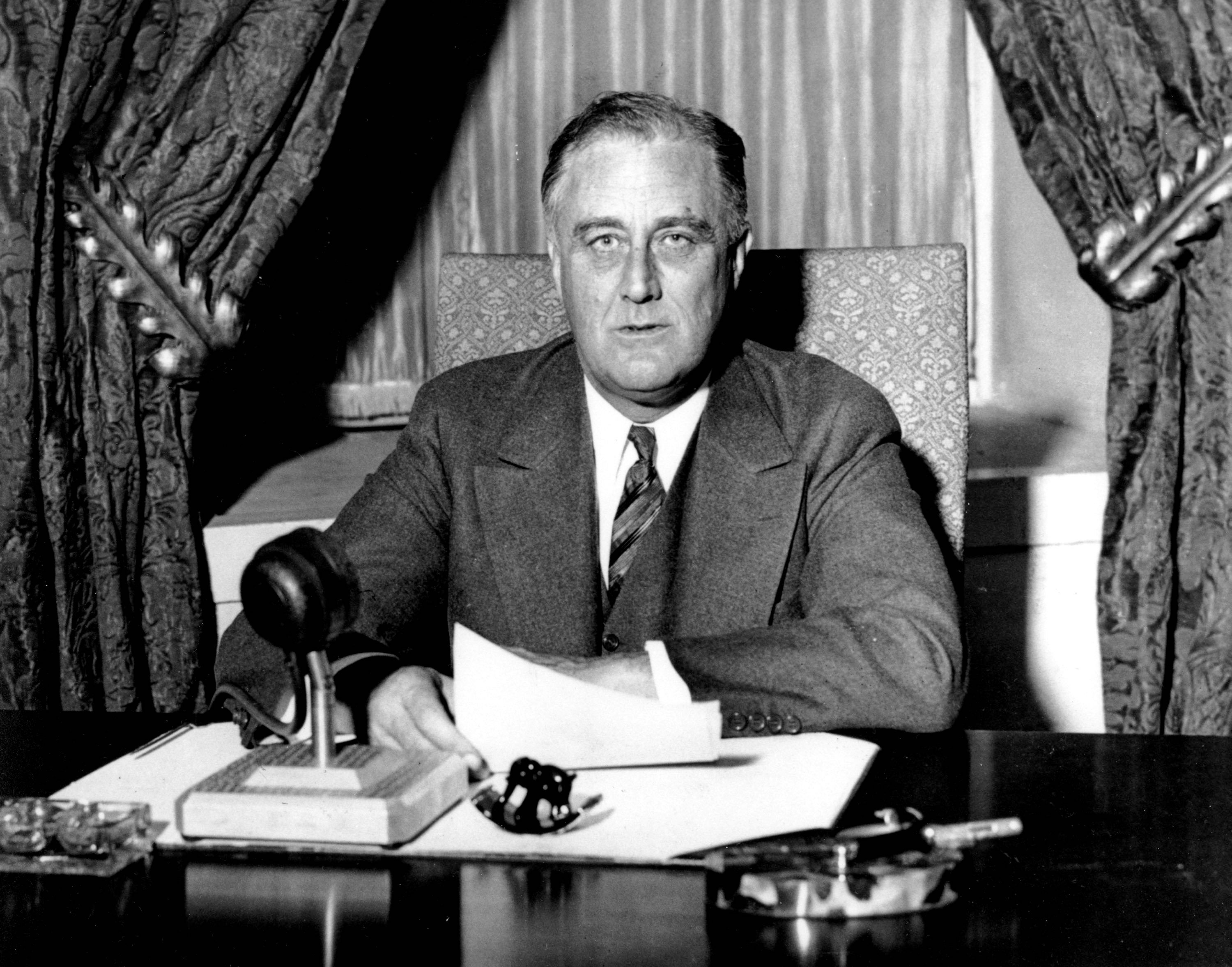 fdr essay herbert hoover on the great depression and new deal in  dibacco obama and fdr a comparison washington times