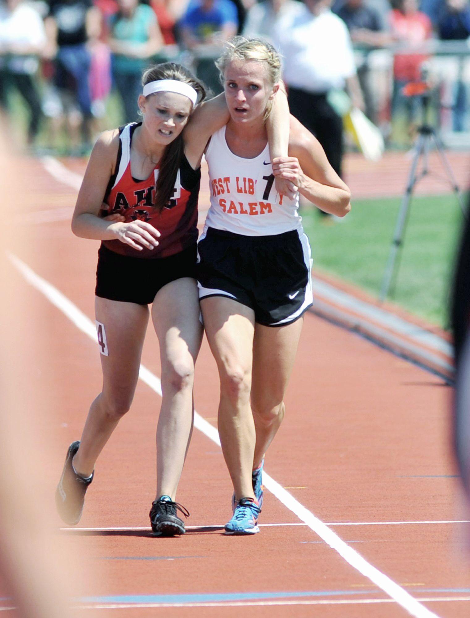 Фото между ног в спорте 16 фотография