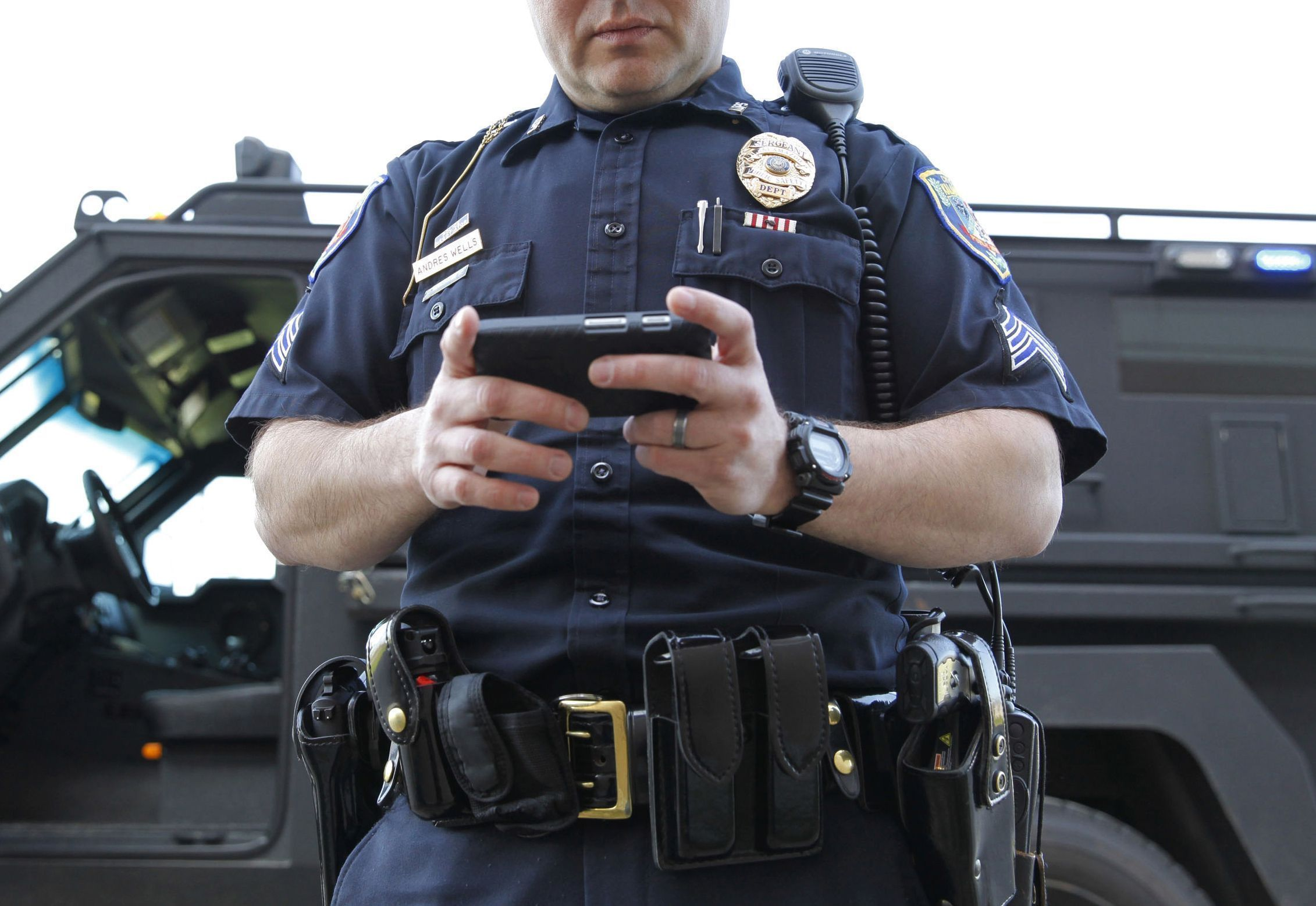Supreme Court Bans Warrantless Cell Phone Searches
