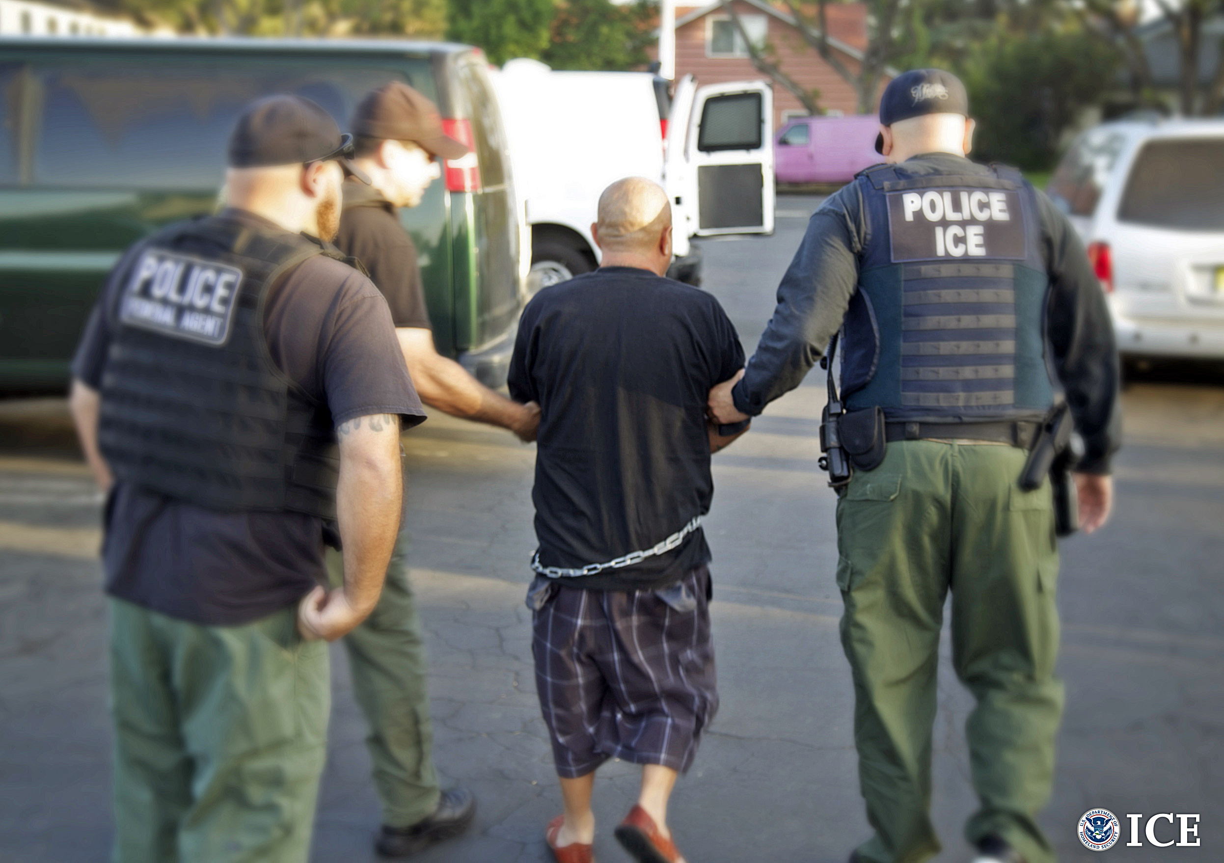 Illegal immigrants with 'old' DUI, ID theft charges spared ...