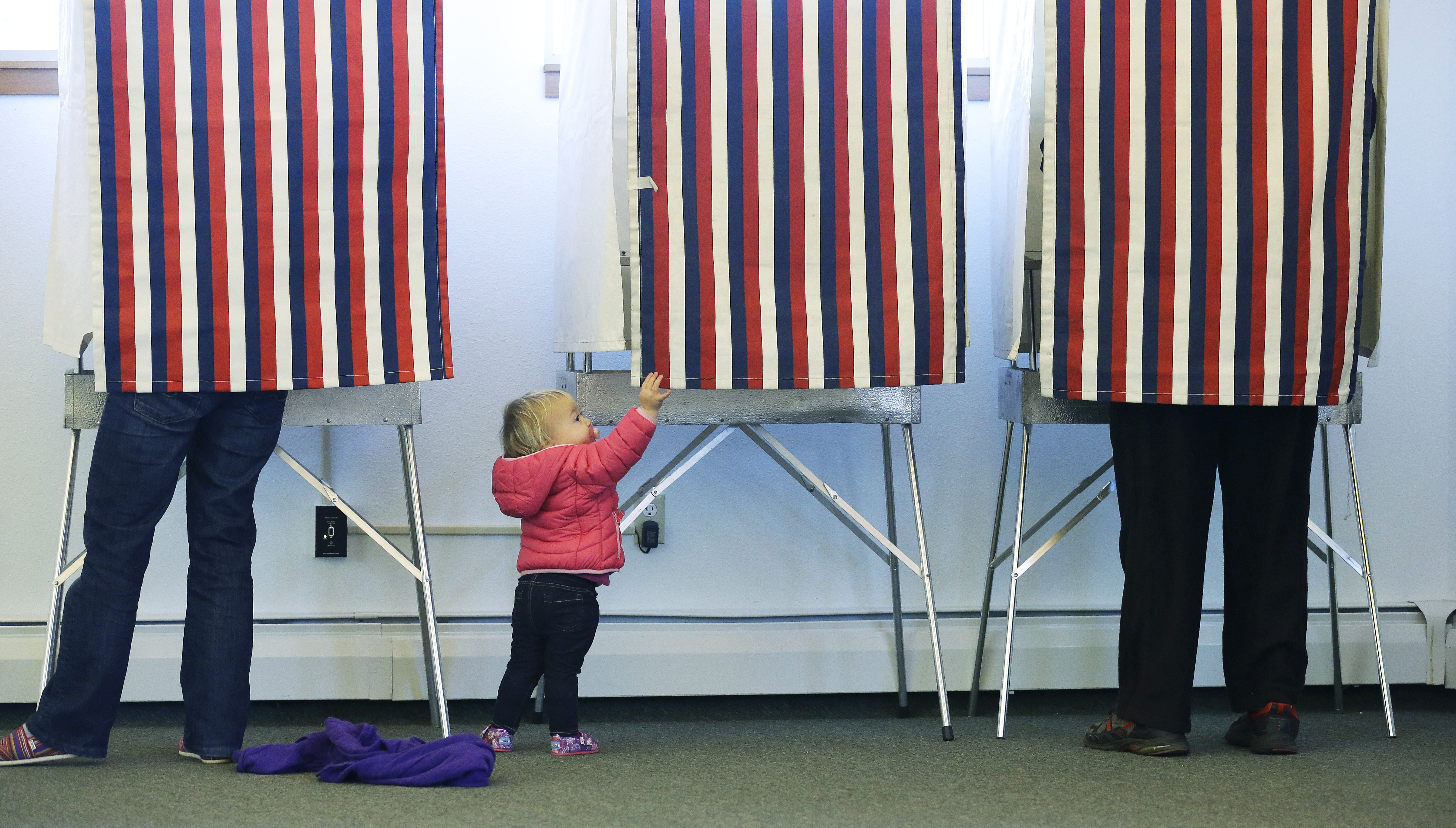 Should we pass laws allowing only citizens who pass a test on the Constitution to vote?
