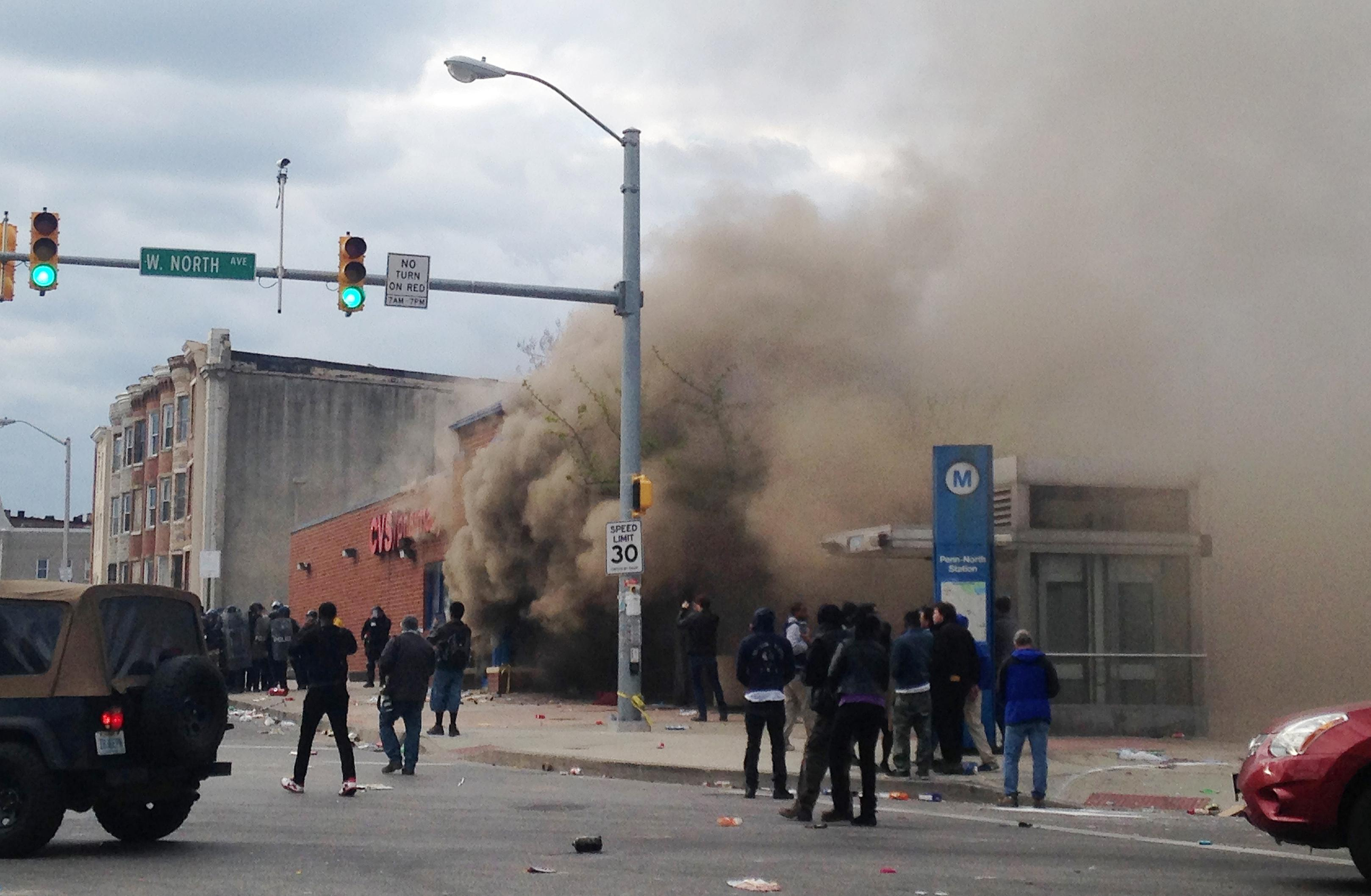 raymon carter man accused of setting fire to cvs during baltimore raymon carter man accused of setting fire to cvs during baltimore riot pleads guilty washington times