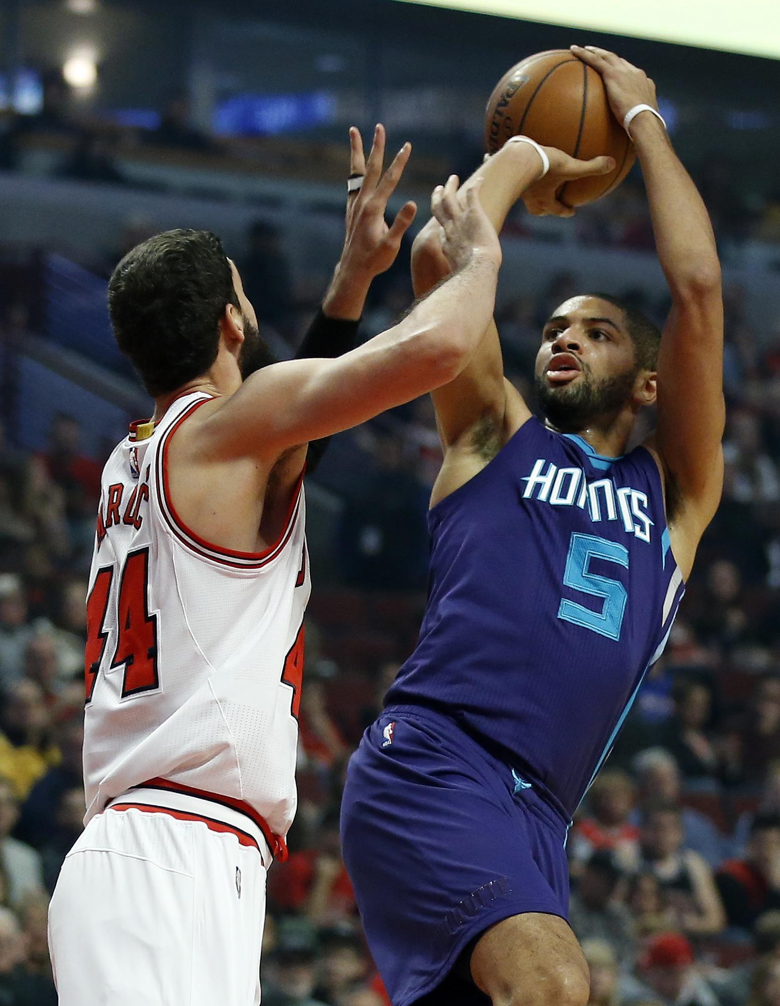 Hornets_bulls_basketball