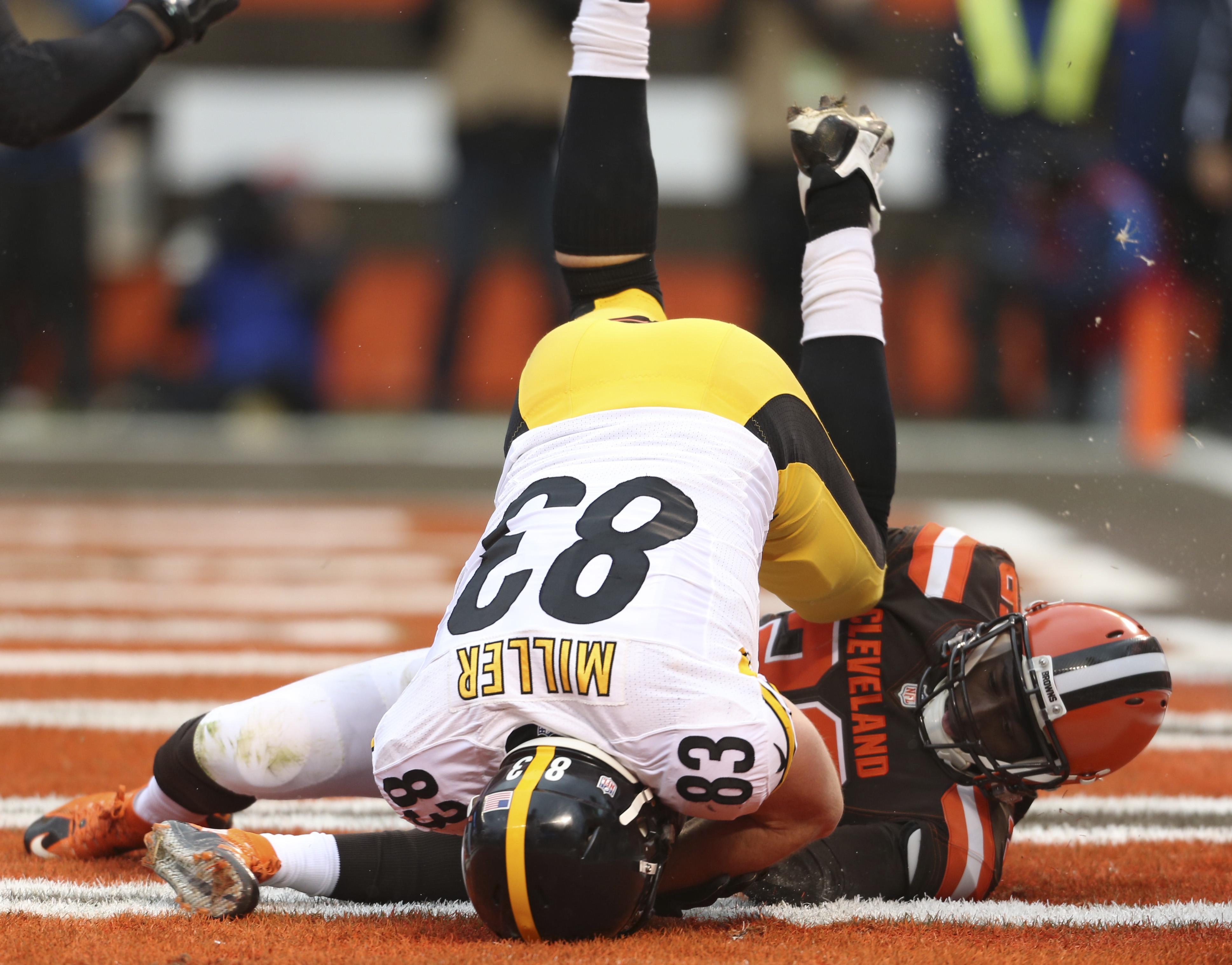 Steelers_browns_football