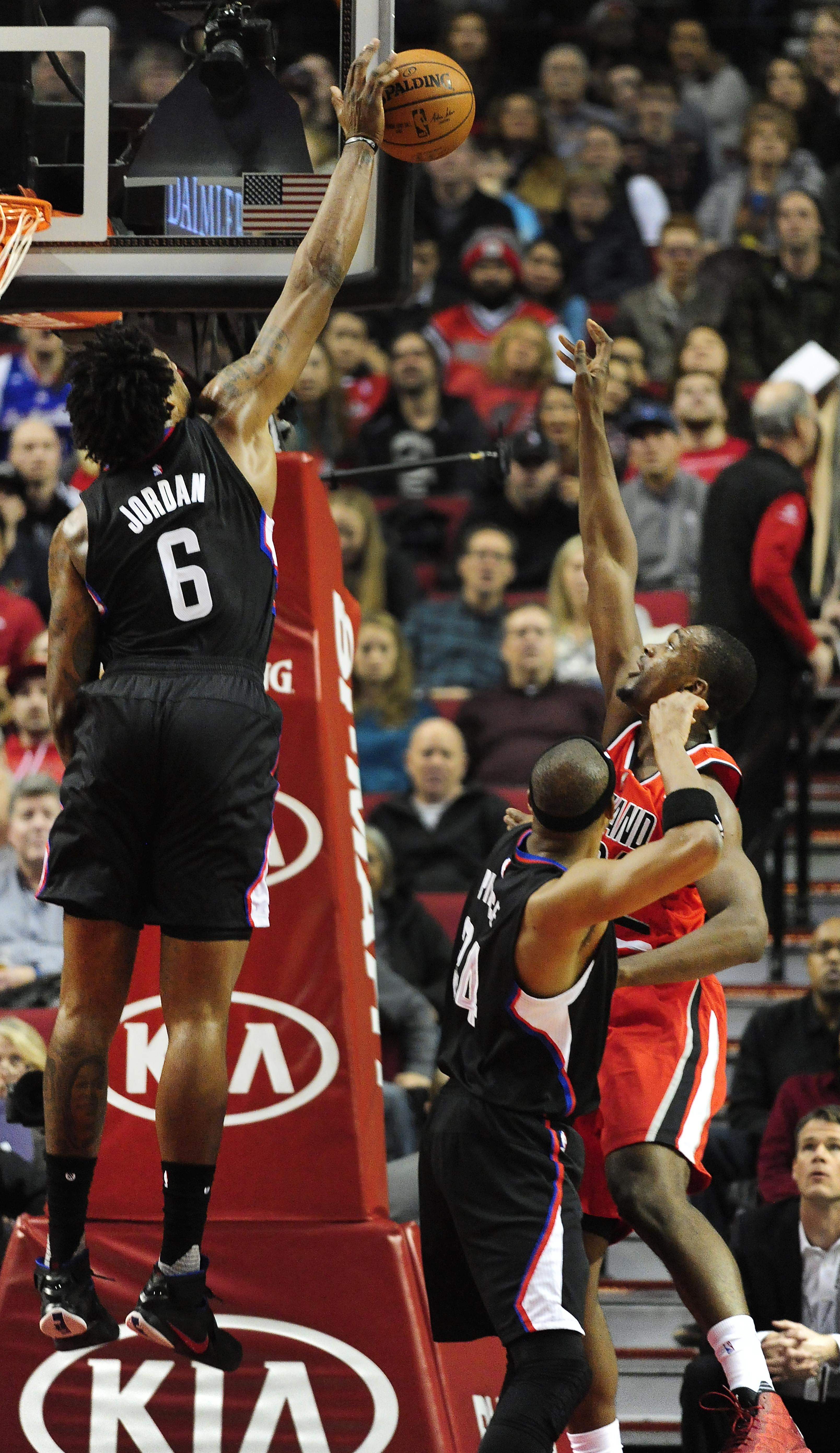 Clippers_trail_blazers_basketball