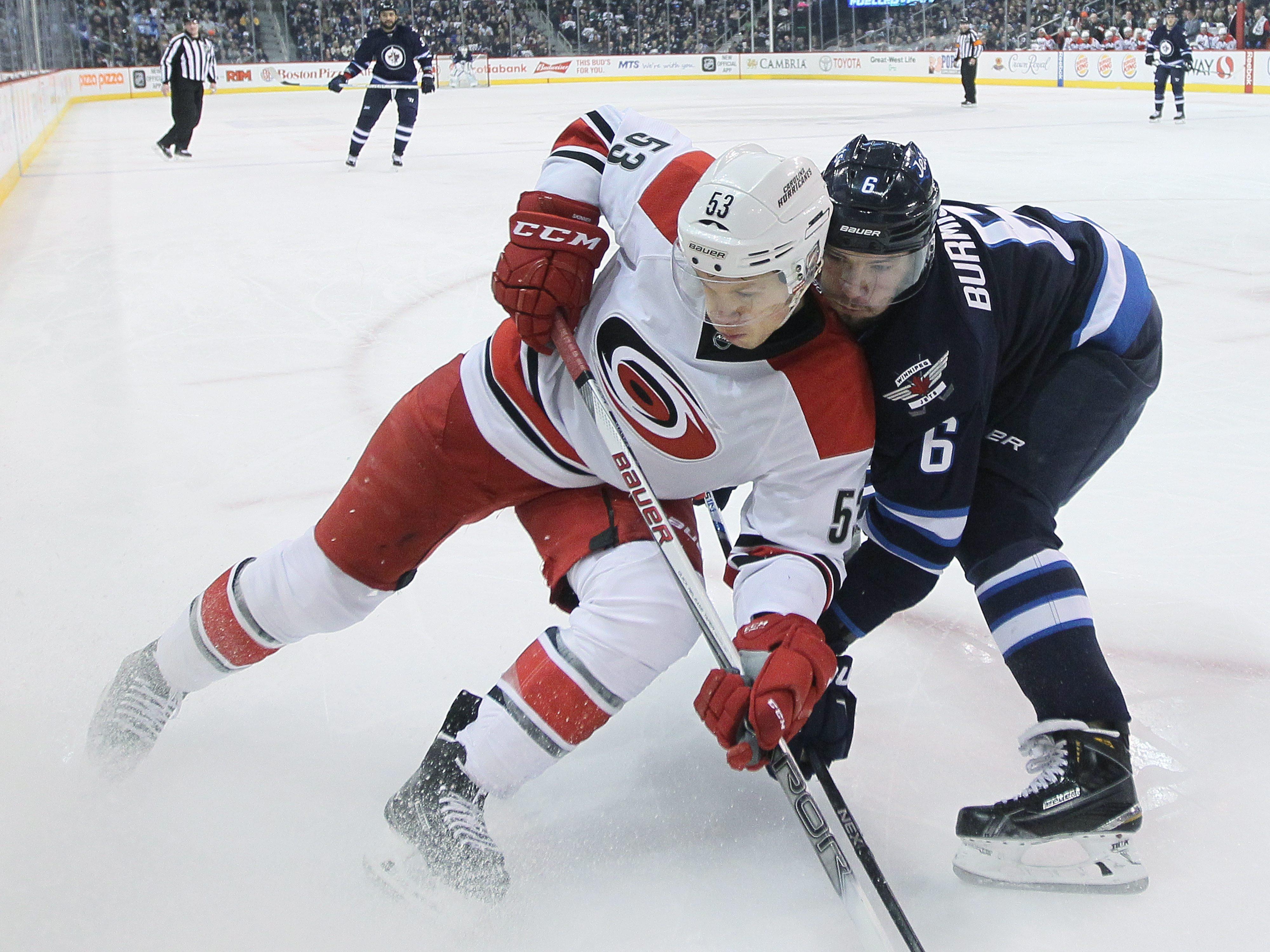 Aptopix_hurricanes_jets_hockey