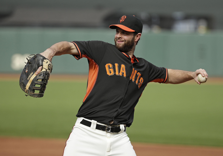 Giants_belt_baseball