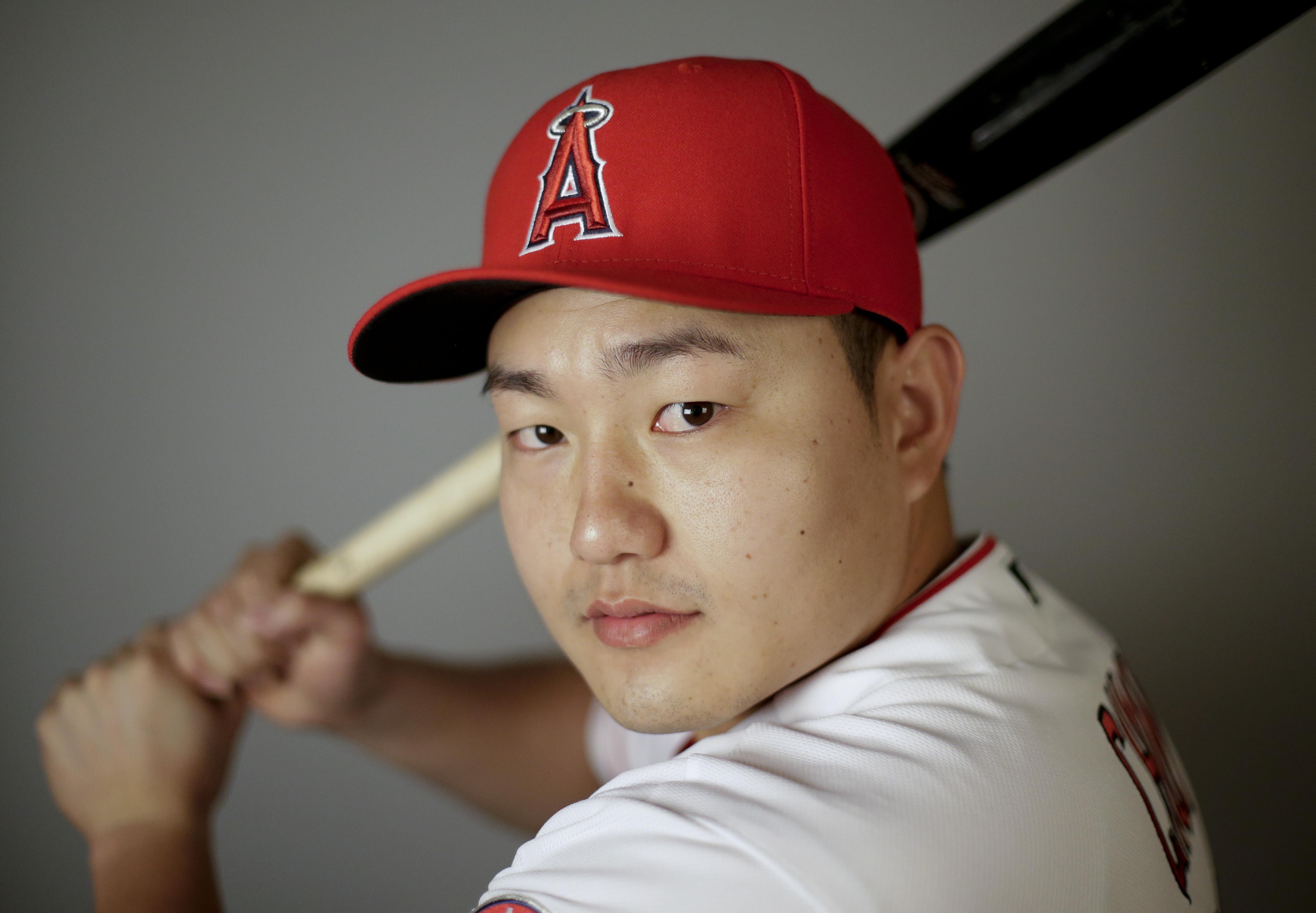 Angels Switch Hitting Choi