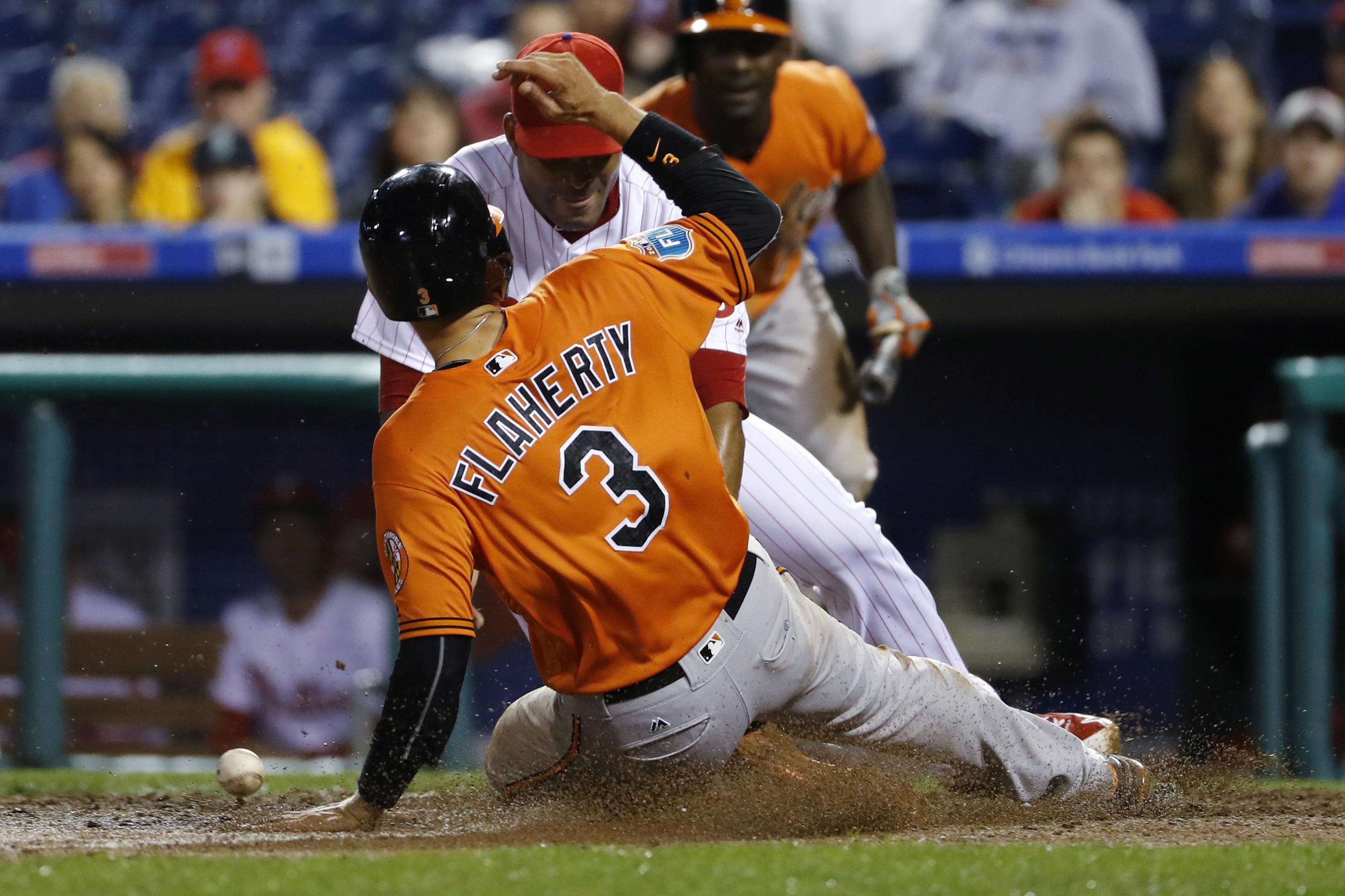 Orioles_philles_baseball