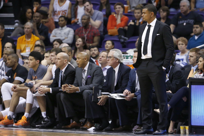 Suns_wrapup_basketball