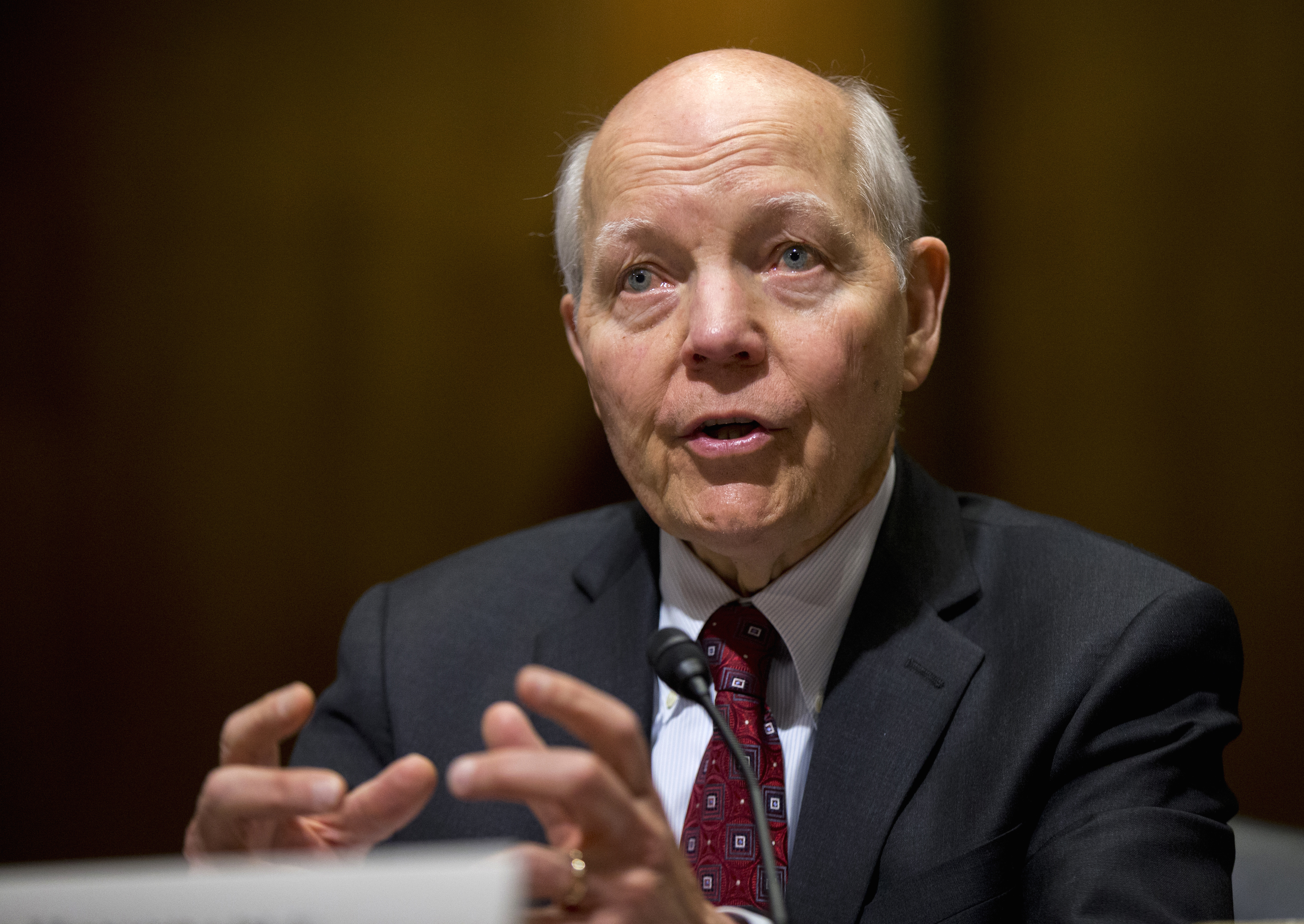 White House rejects bills to reform IRS