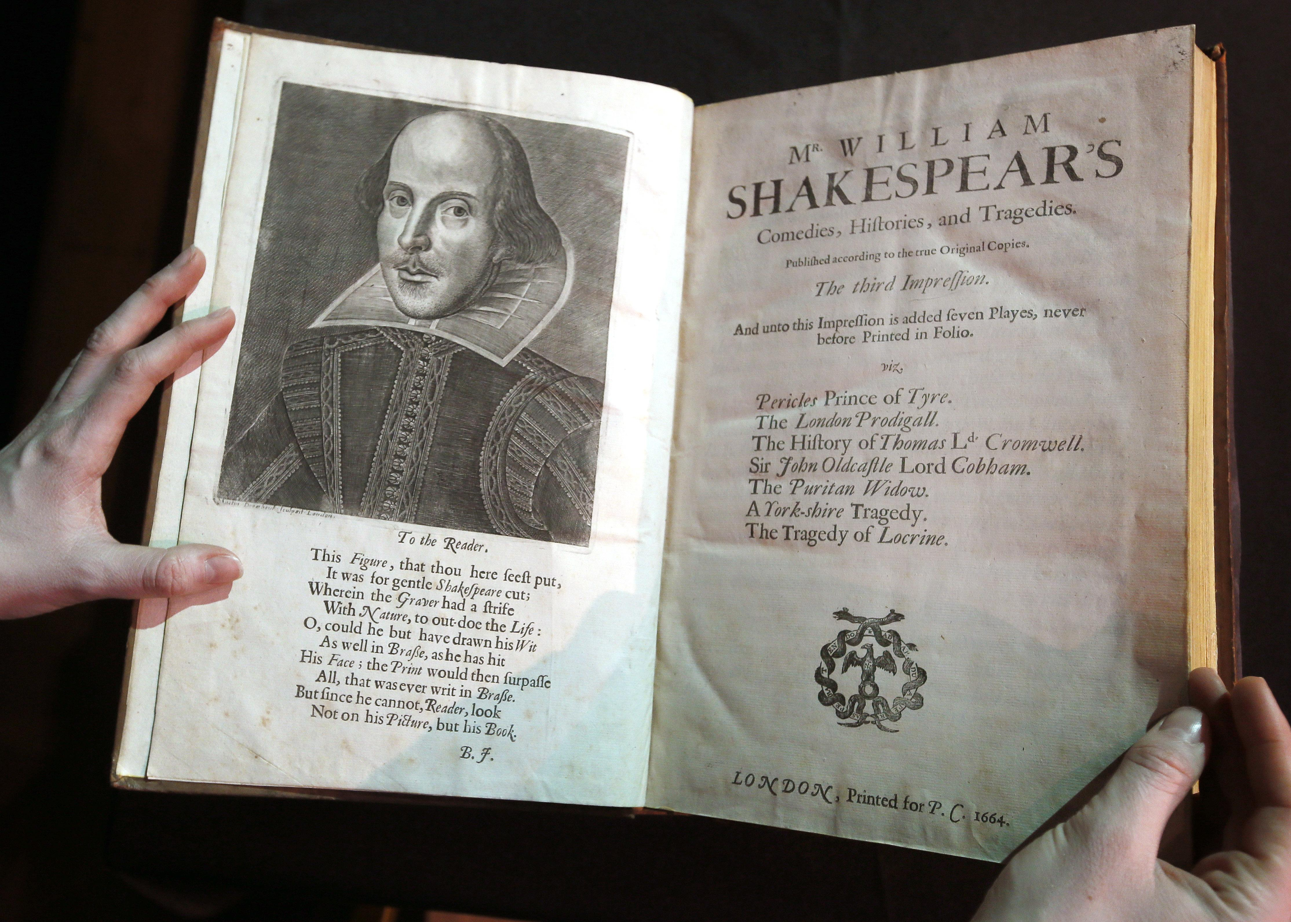 literary analysis of the writing style of william shakespeare