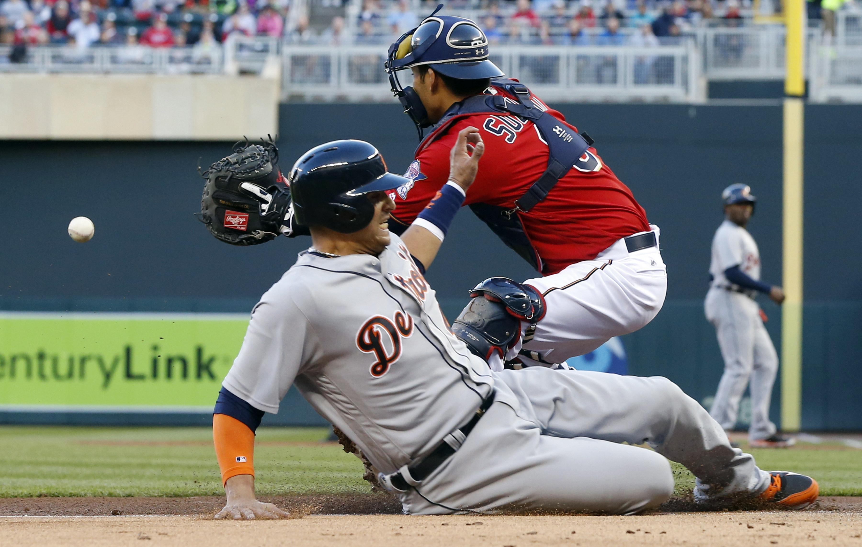 Aptopix_tigers_twins_baseball