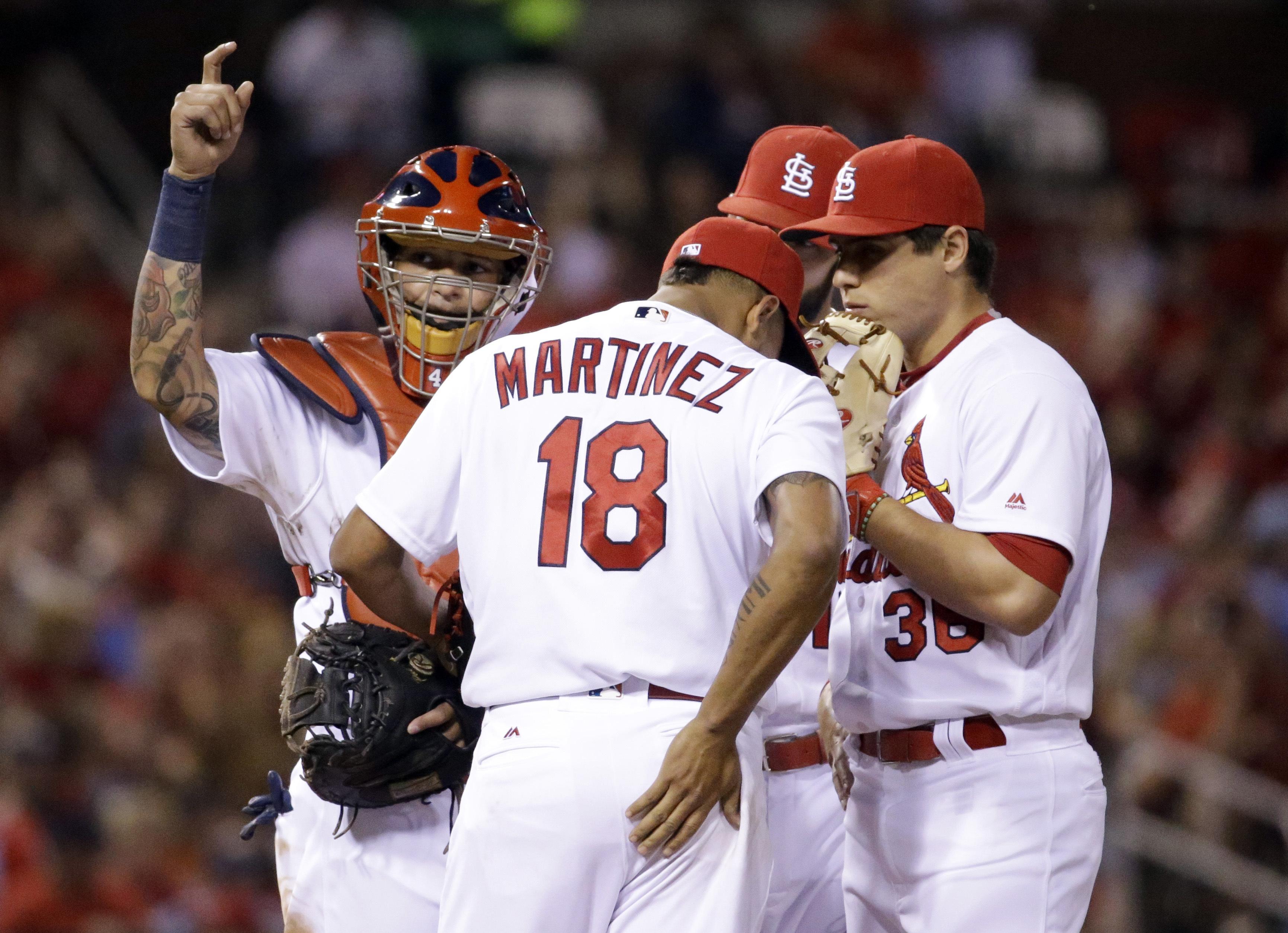 Pirates_cardinals_baseball
