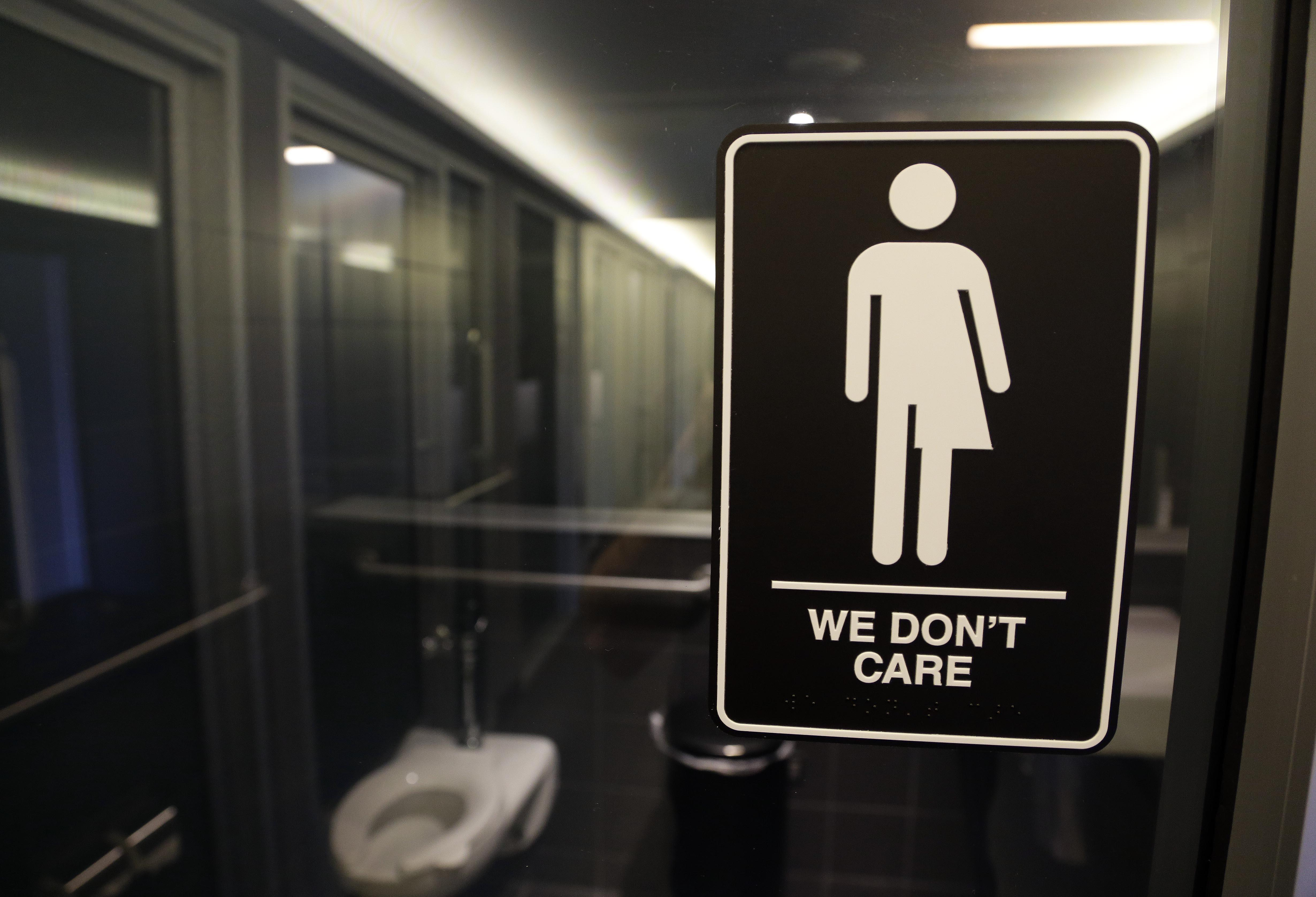 Obama Administration Orders Transgender Bathroom Access In All - Transgender bathrooms