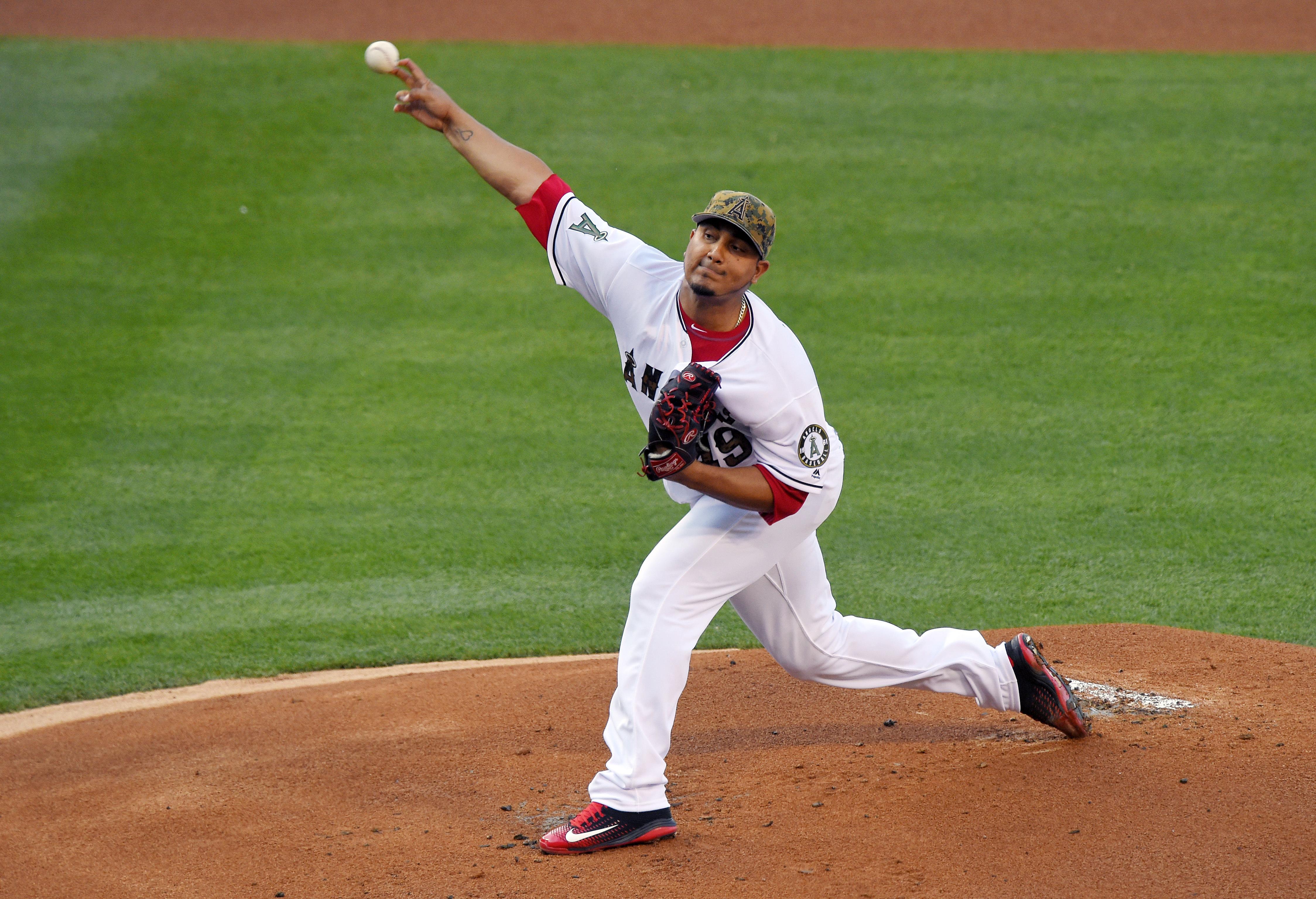 Tigers_angels_baseball