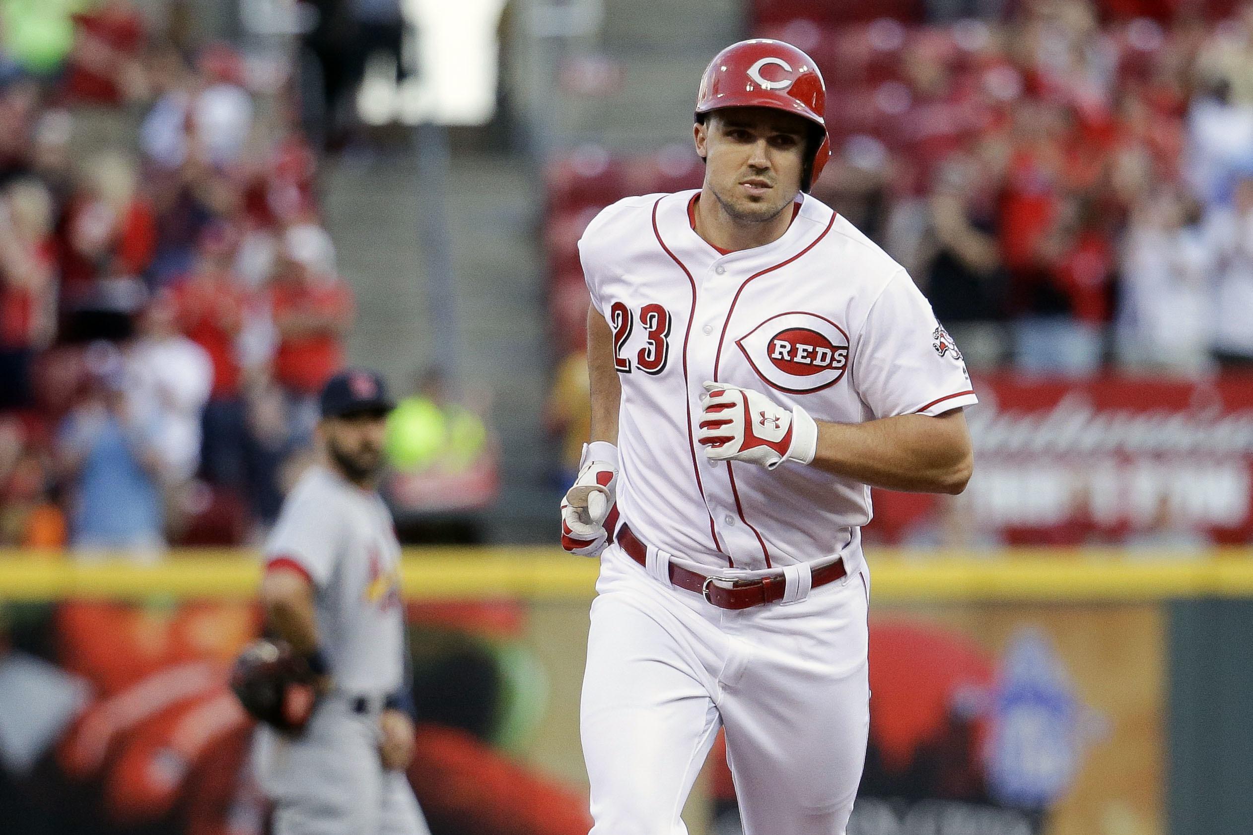 Cardinals_reds_baseball