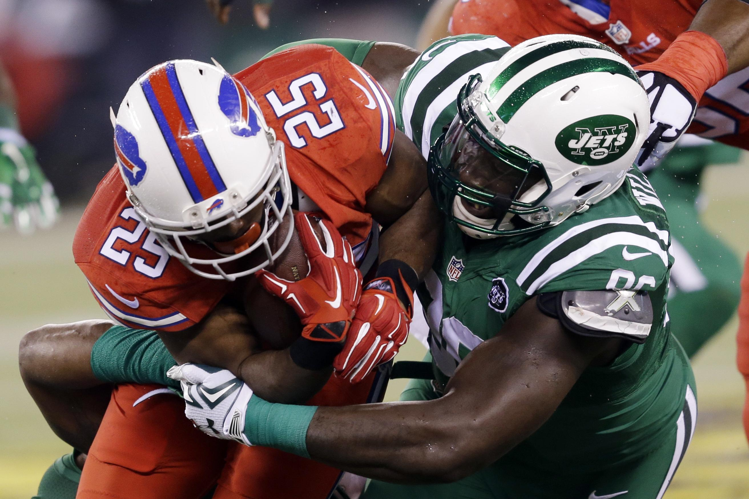 Jets_frustrated_wilkerson_football