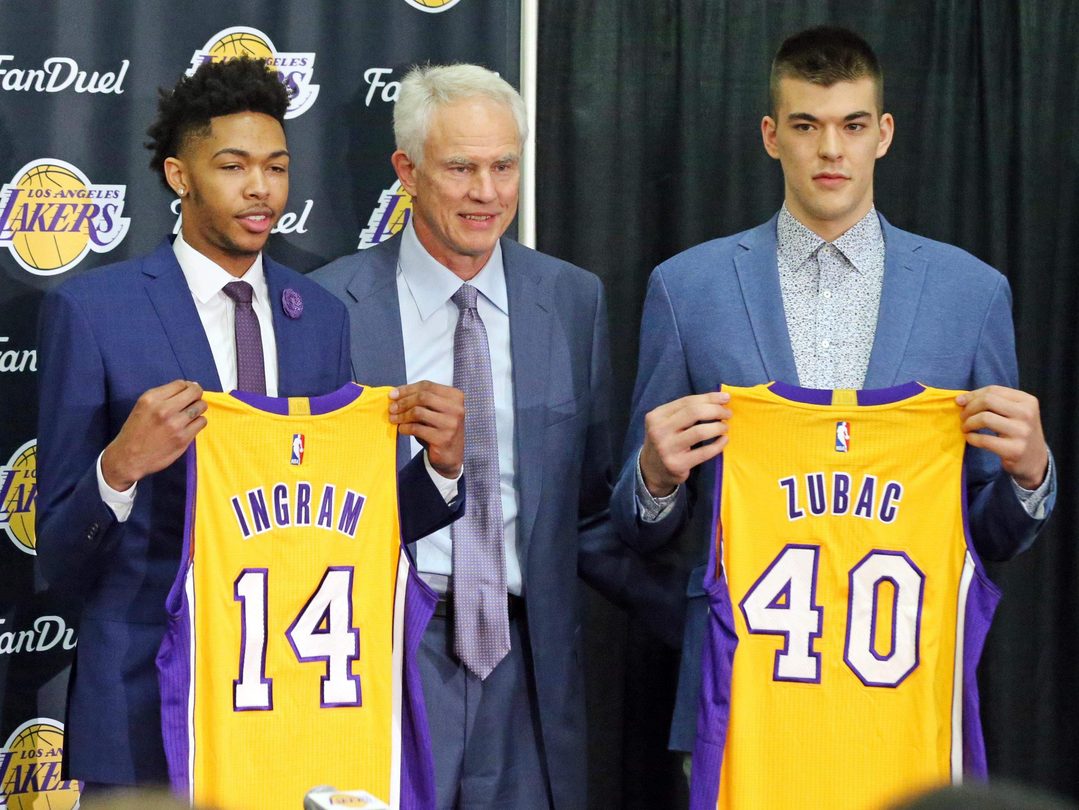 Lakers_ingram_basketball