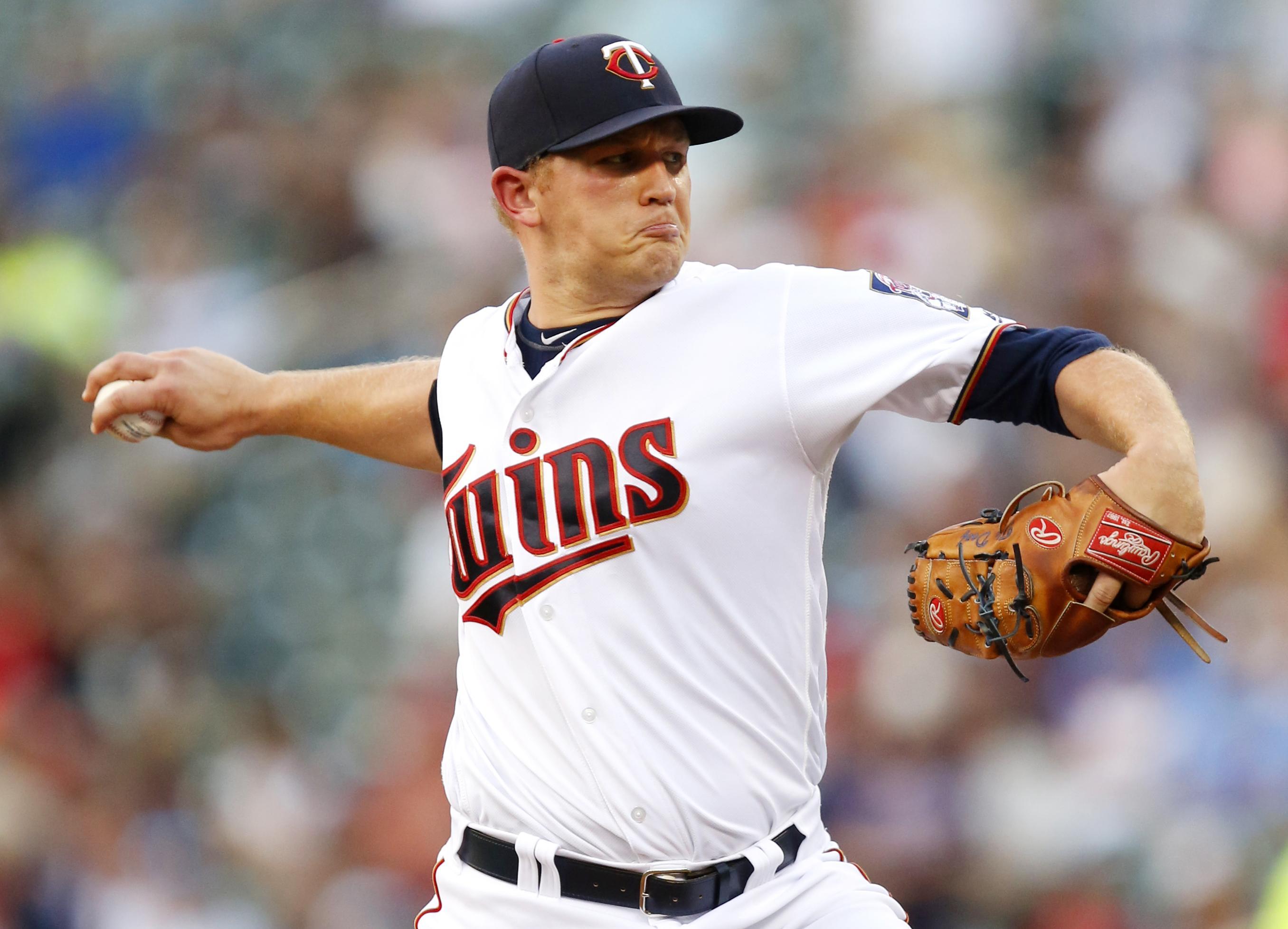 Astros_twins_baseball