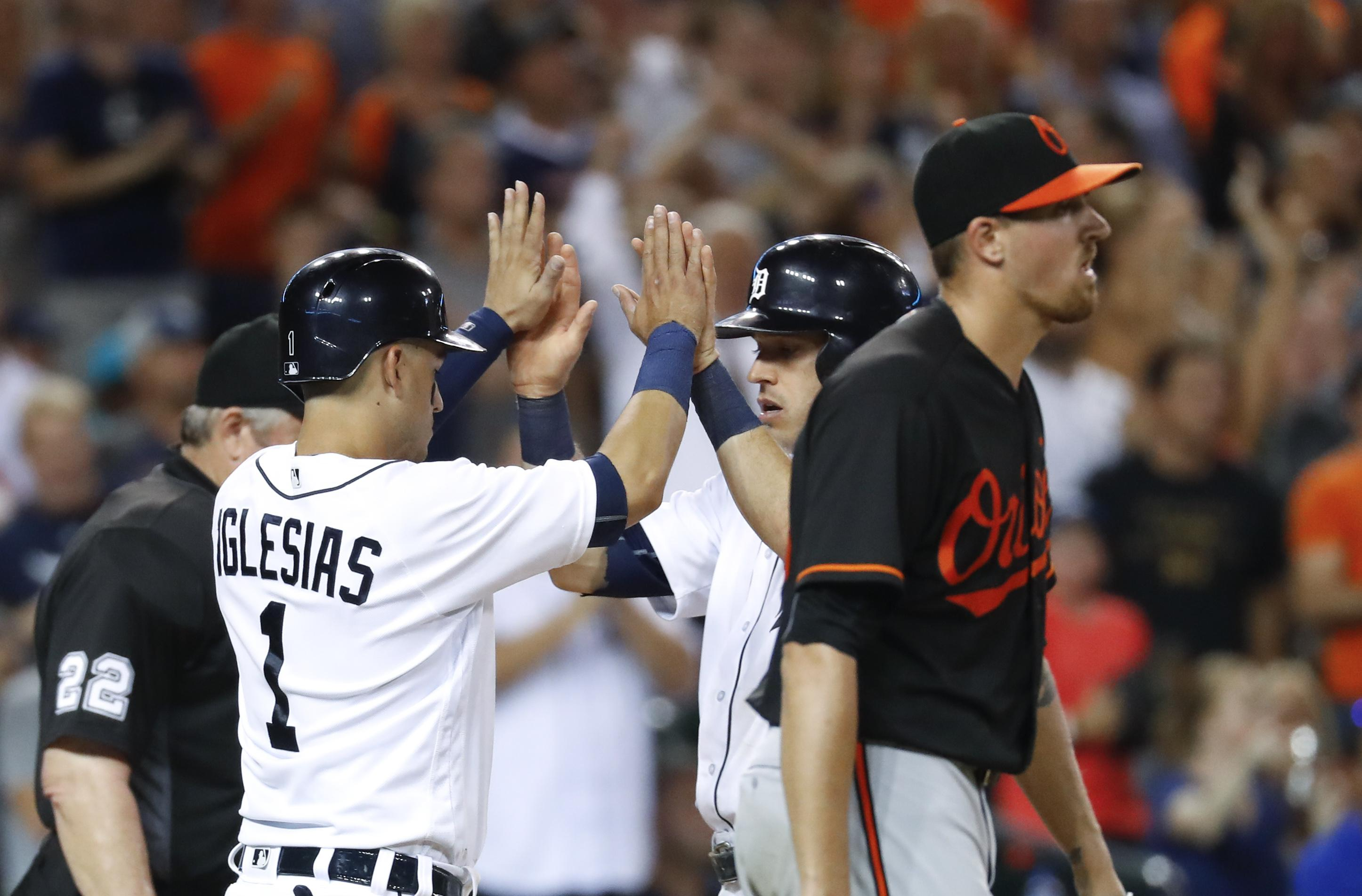 Orioles_tigers_baseball