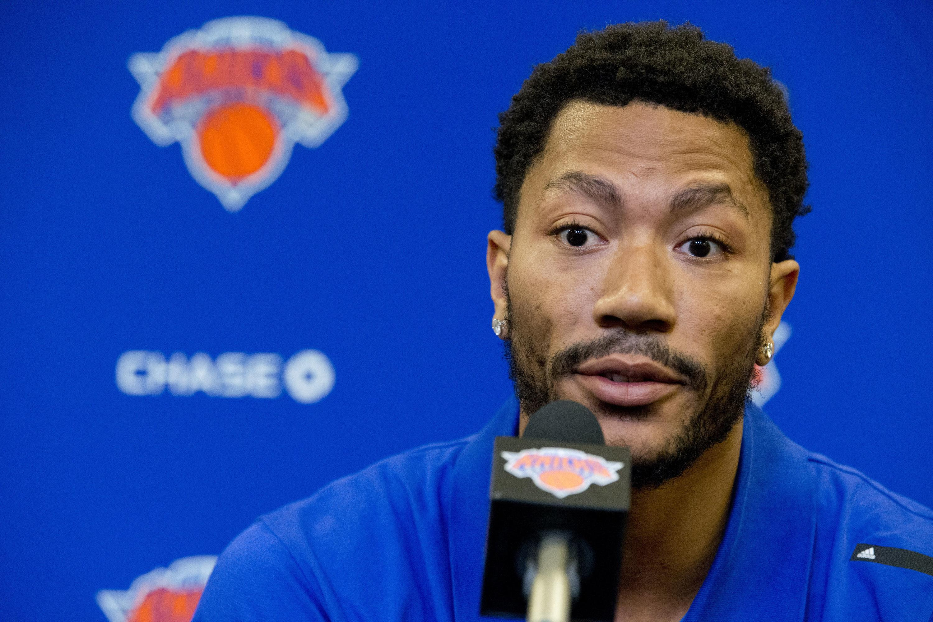 Derrick_rose_lawsuit_basketball