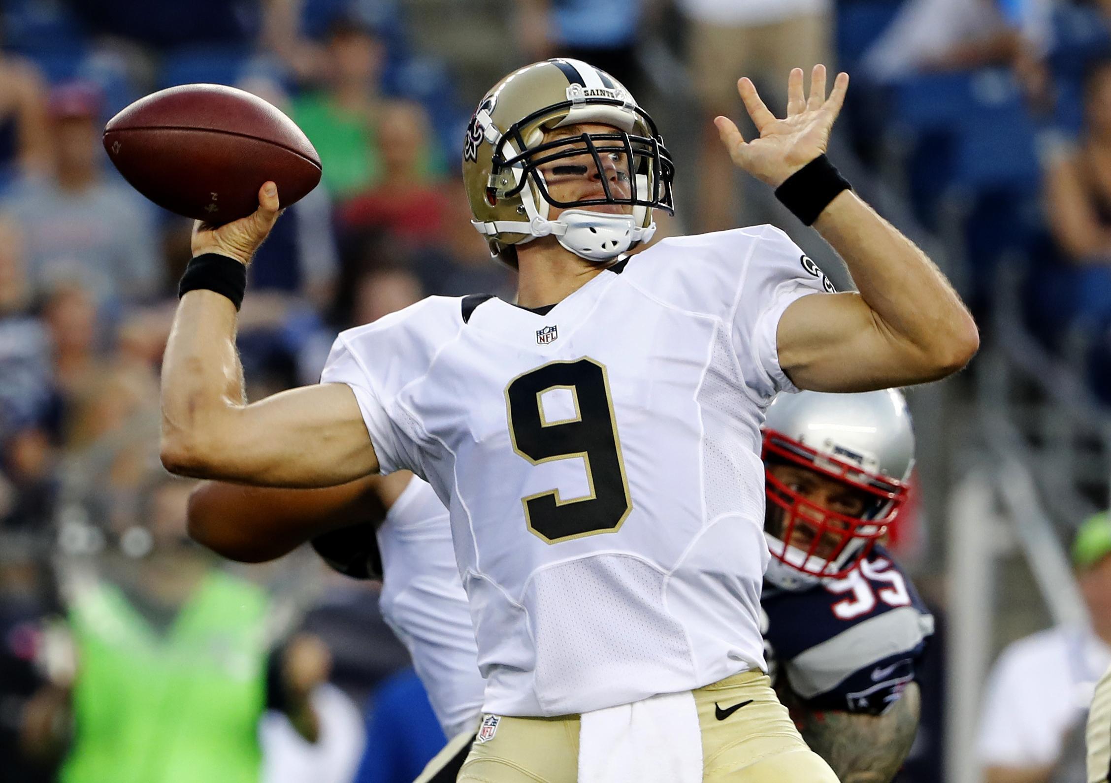 Saints_giants_football