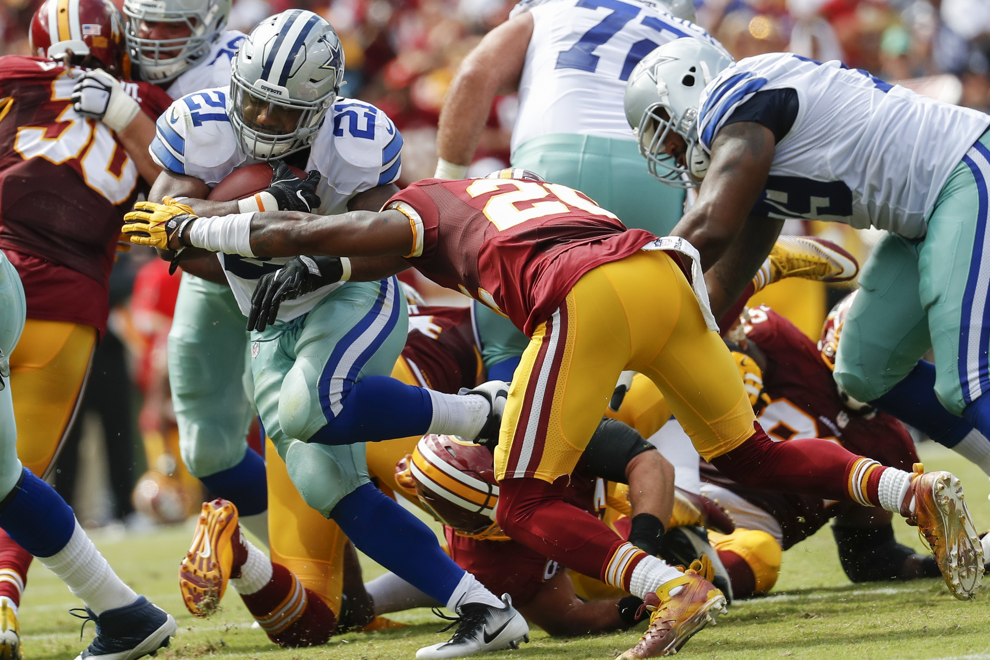 Cowboys_redskins_football.jpeg-2f827