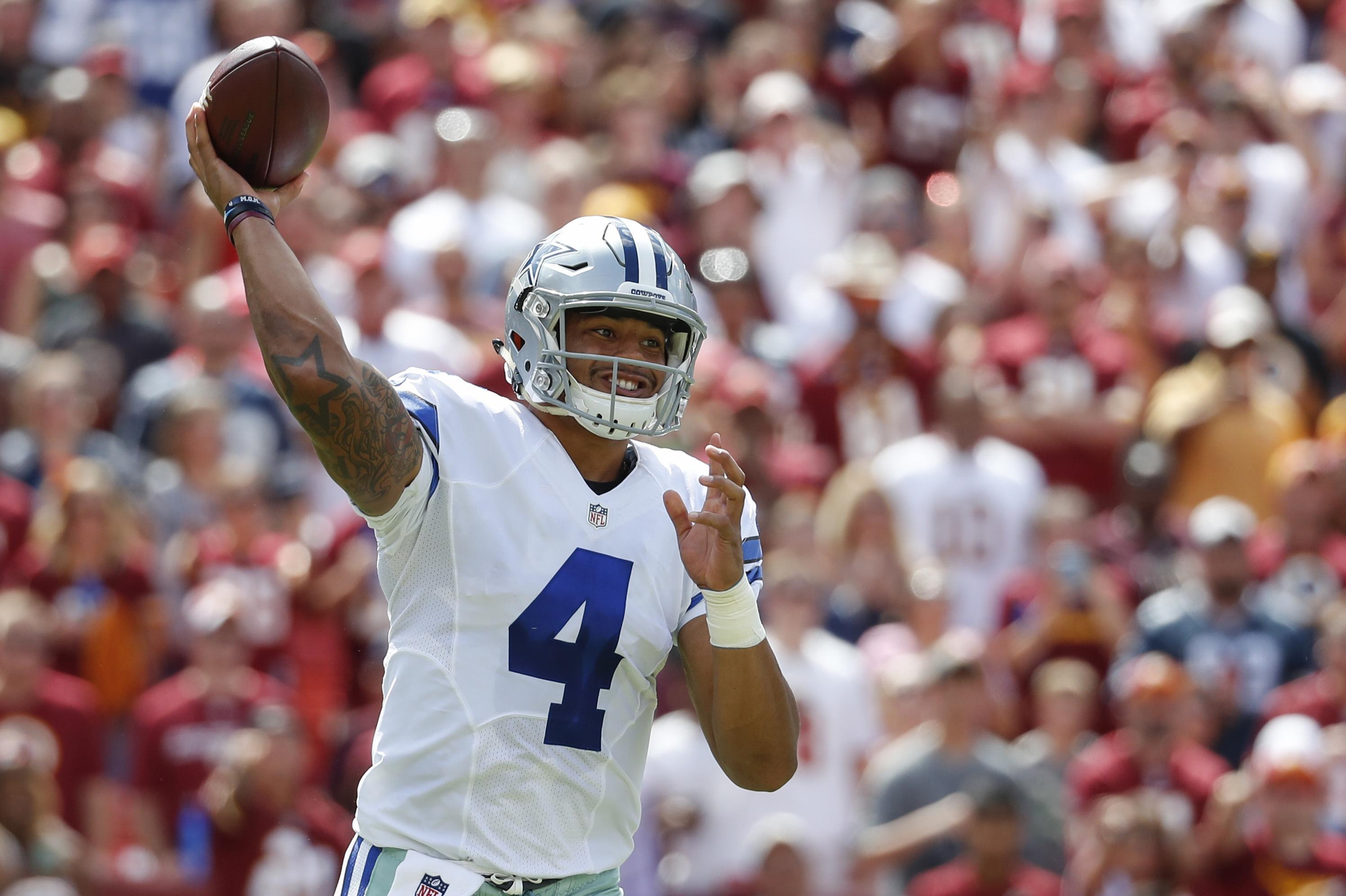 Cowboys-prescott_start_football