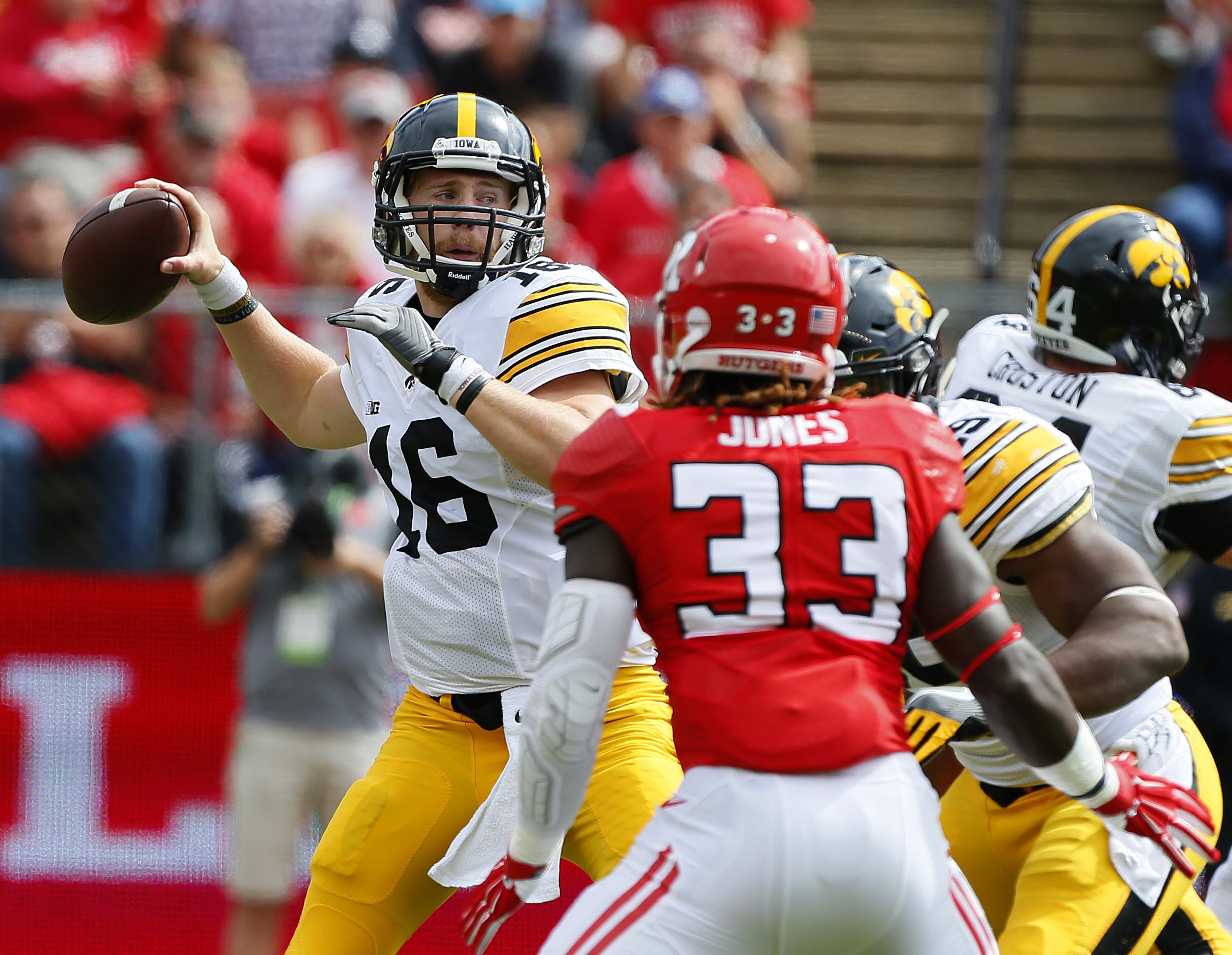 Iowa_rutgers_football