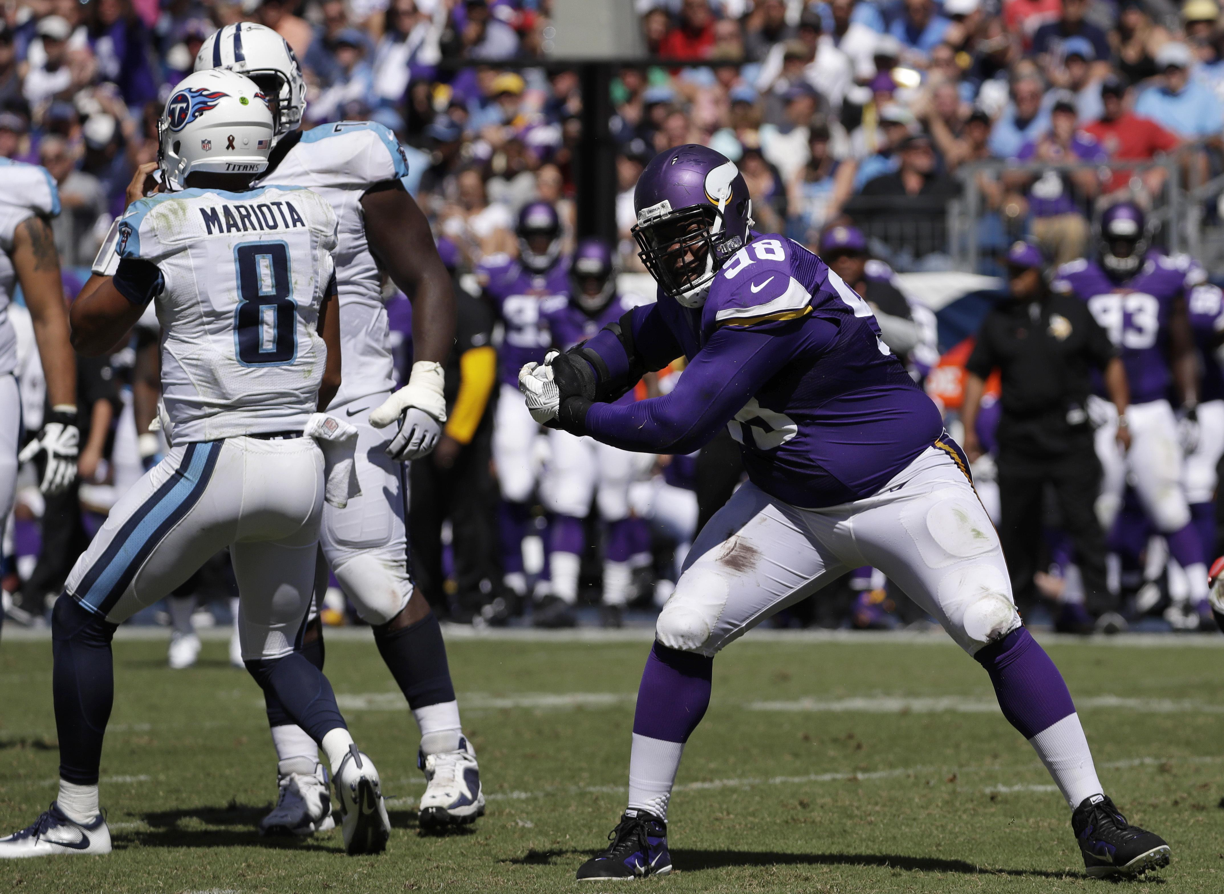 Vikings_monster_in_the_middle_football
