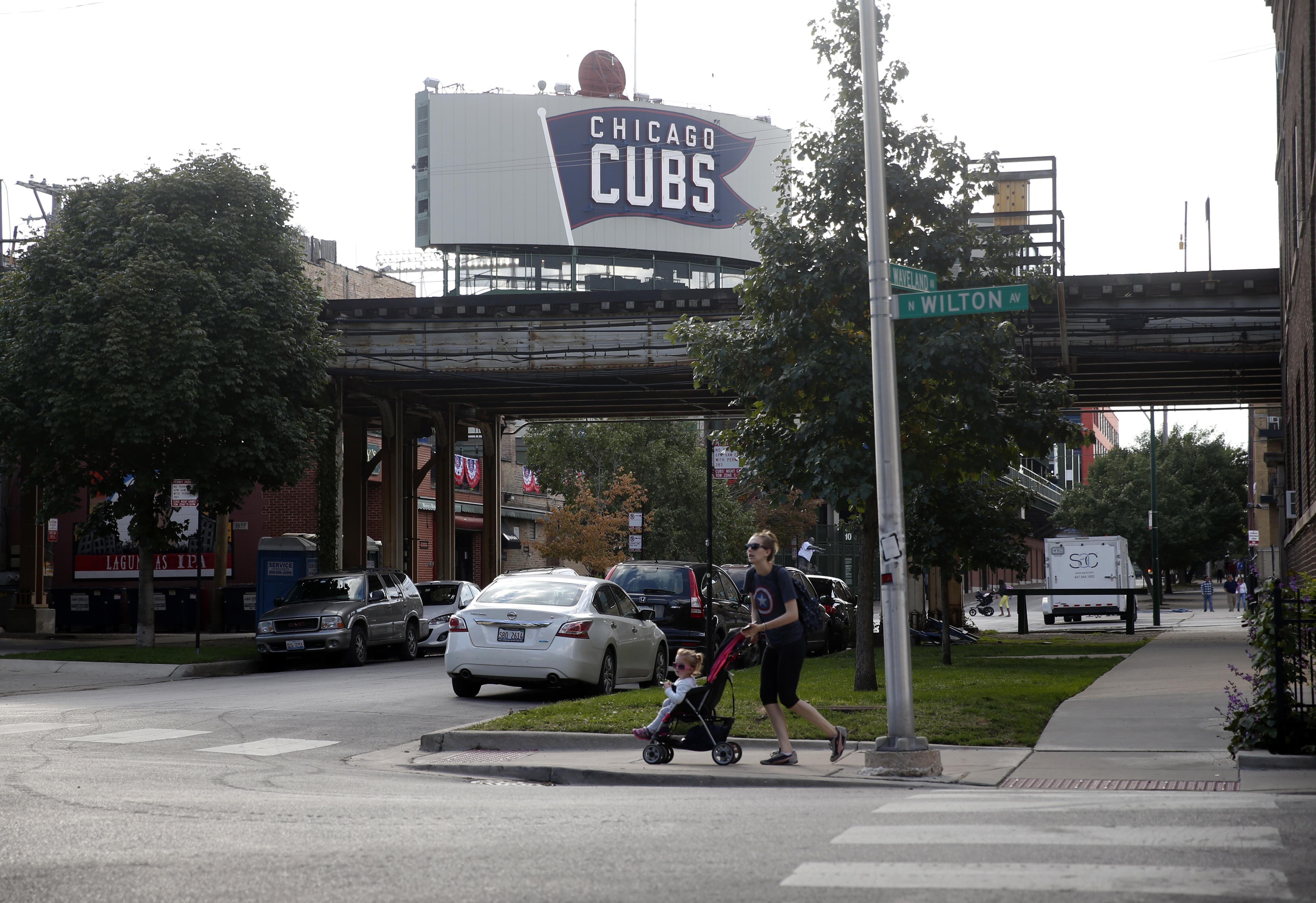 Neighborhood_cubs_baseball