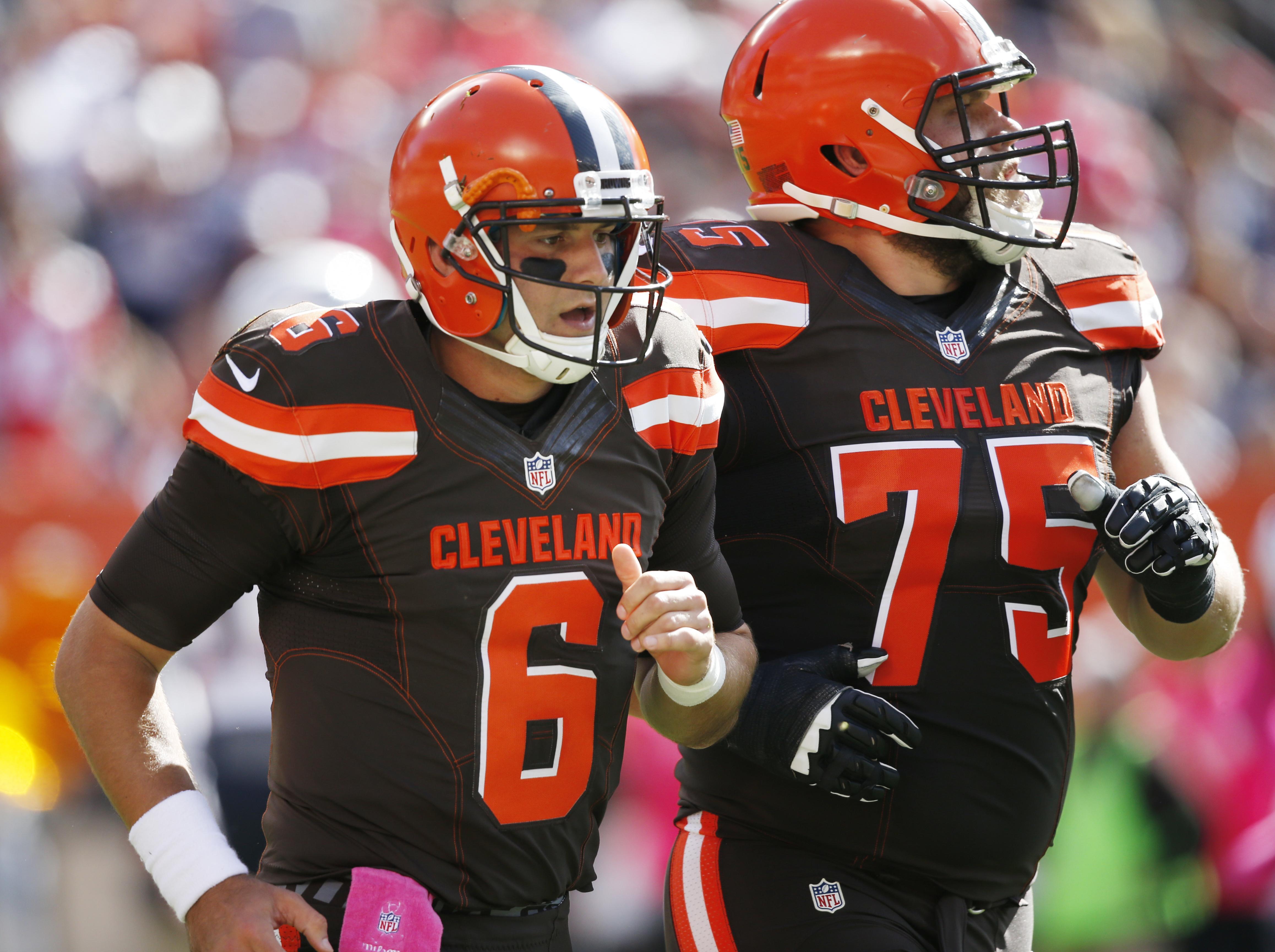Browns_titans_football
