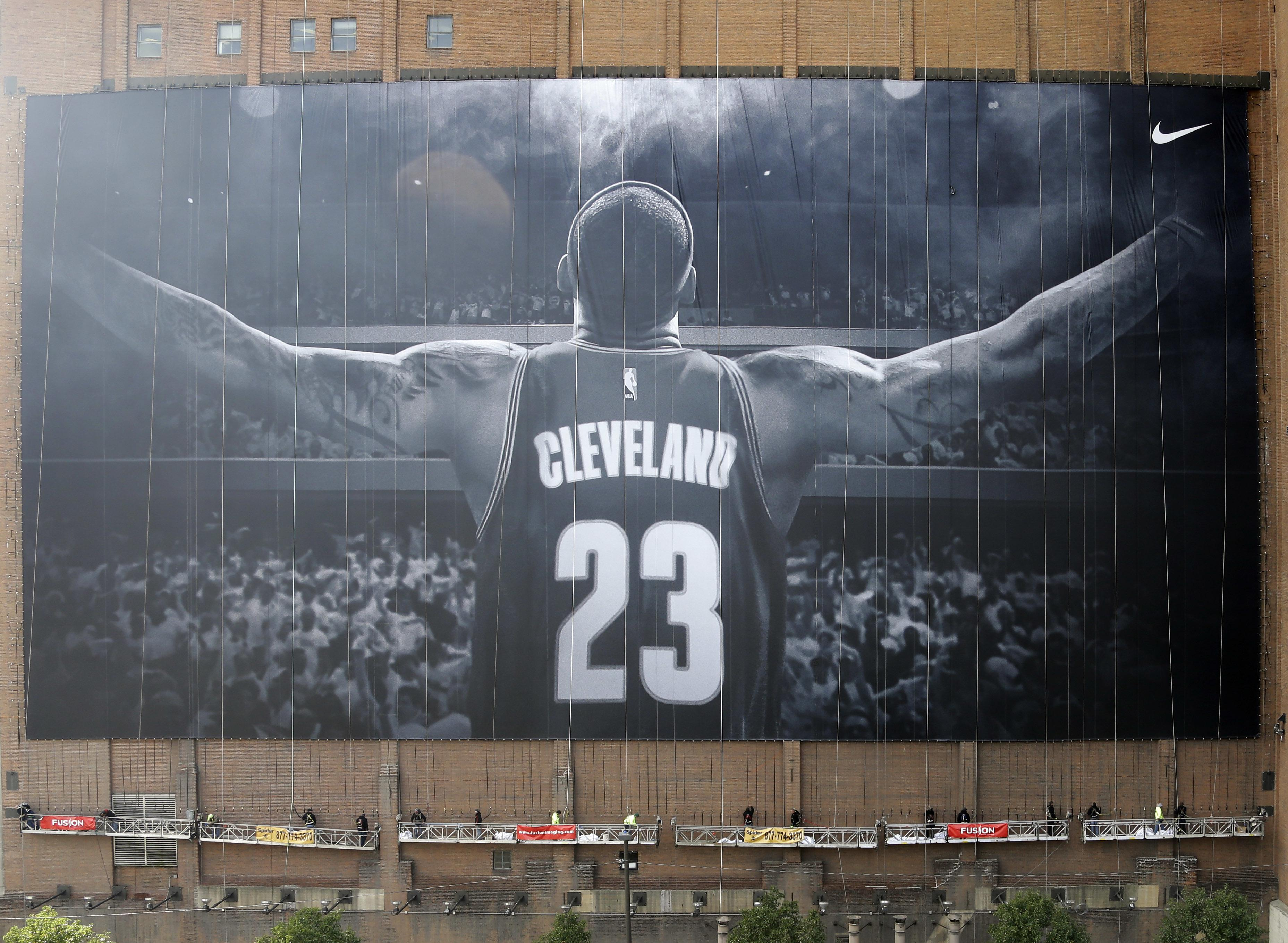 Cavaliers_lebron_banner
