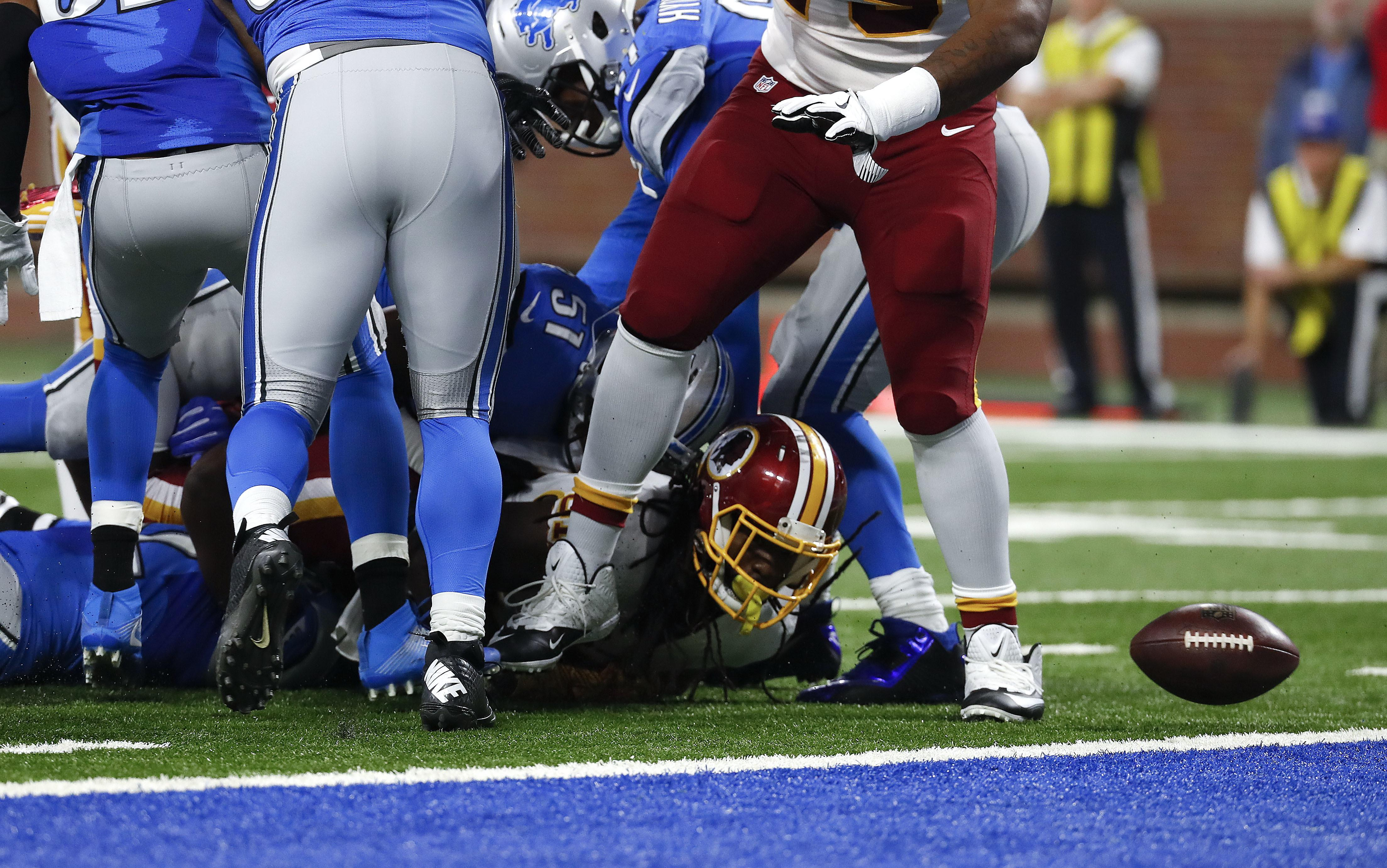 Redskins_football_to_many_mistakes