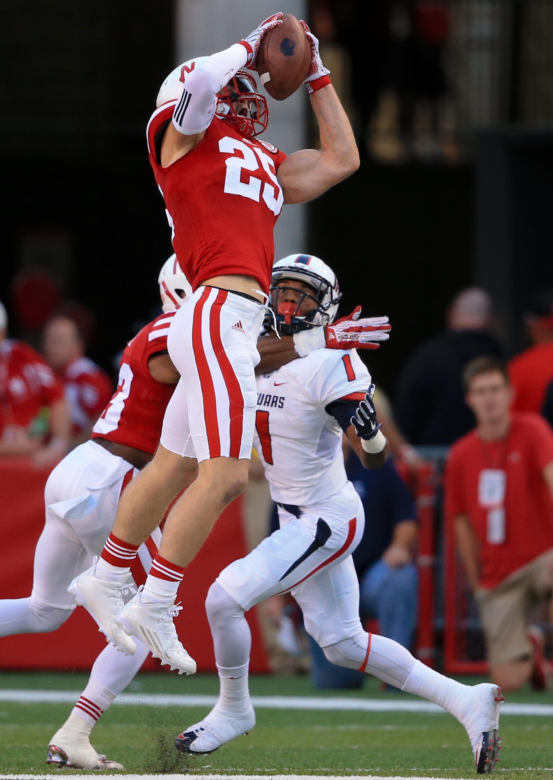 Nebraska_gerry_football