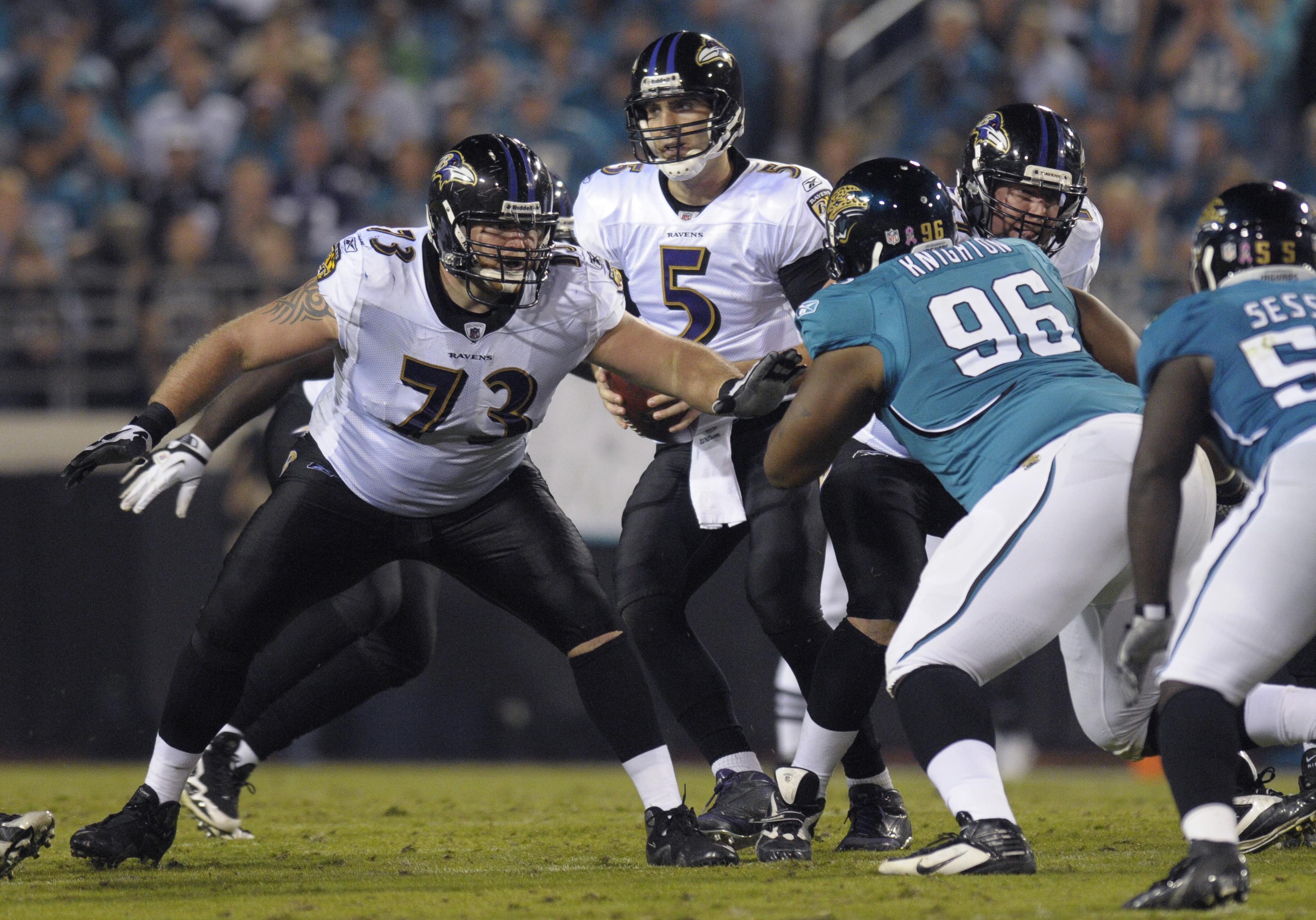 Ravens_line_football