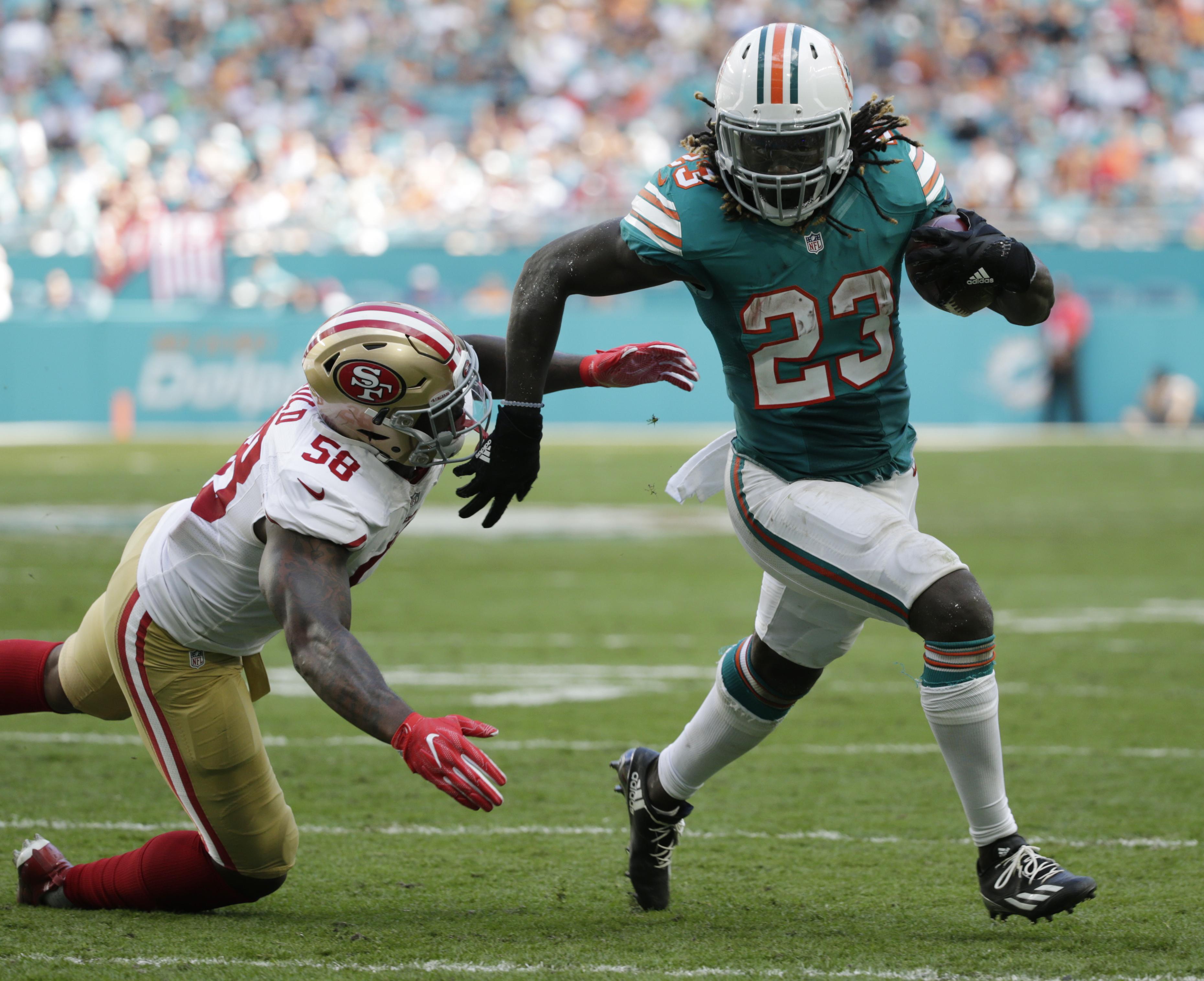 Dolphins_bills_football_24027