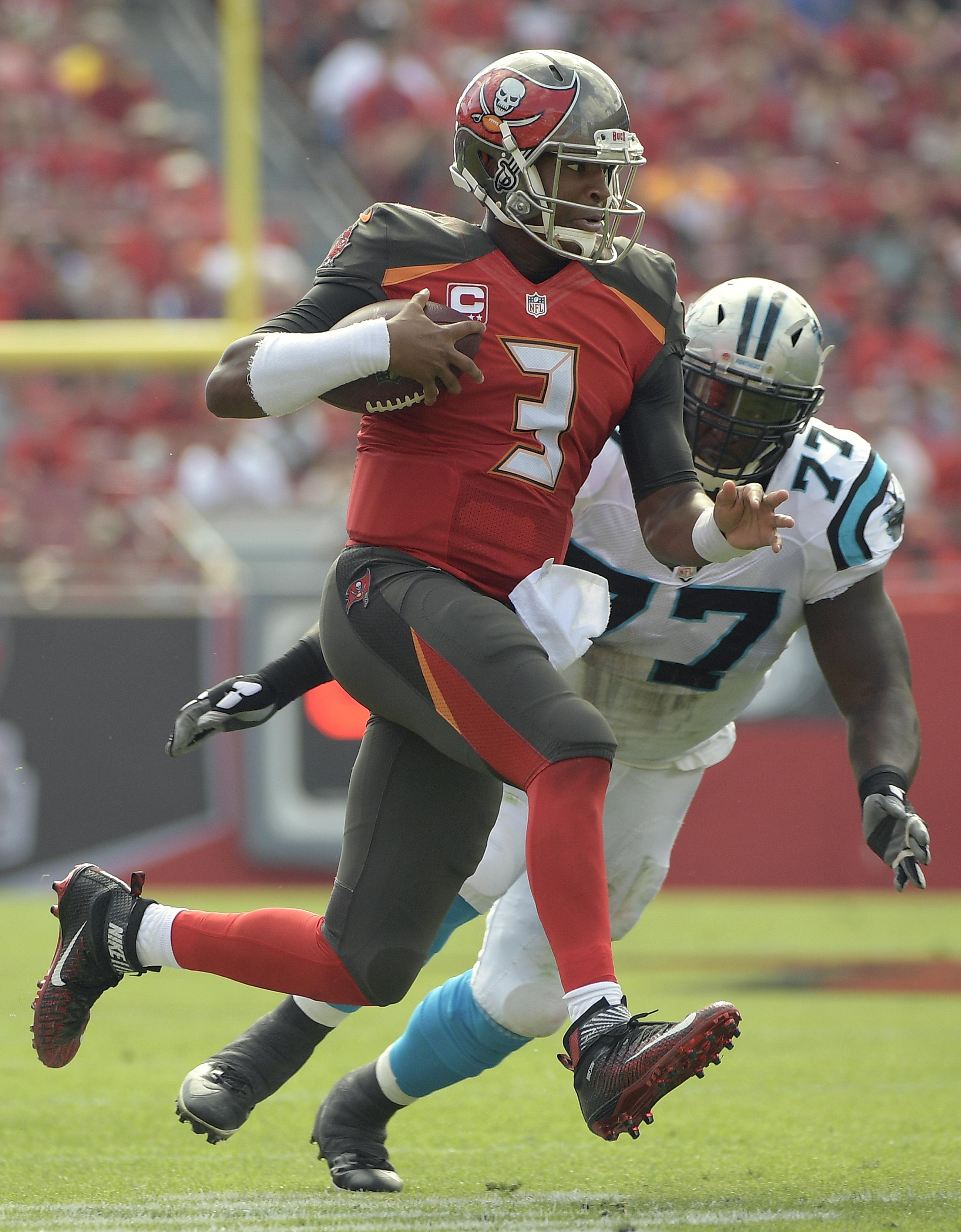 Panthers_buccaneers_football_91194