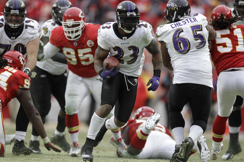 Chiefs_defending_home_football_72017