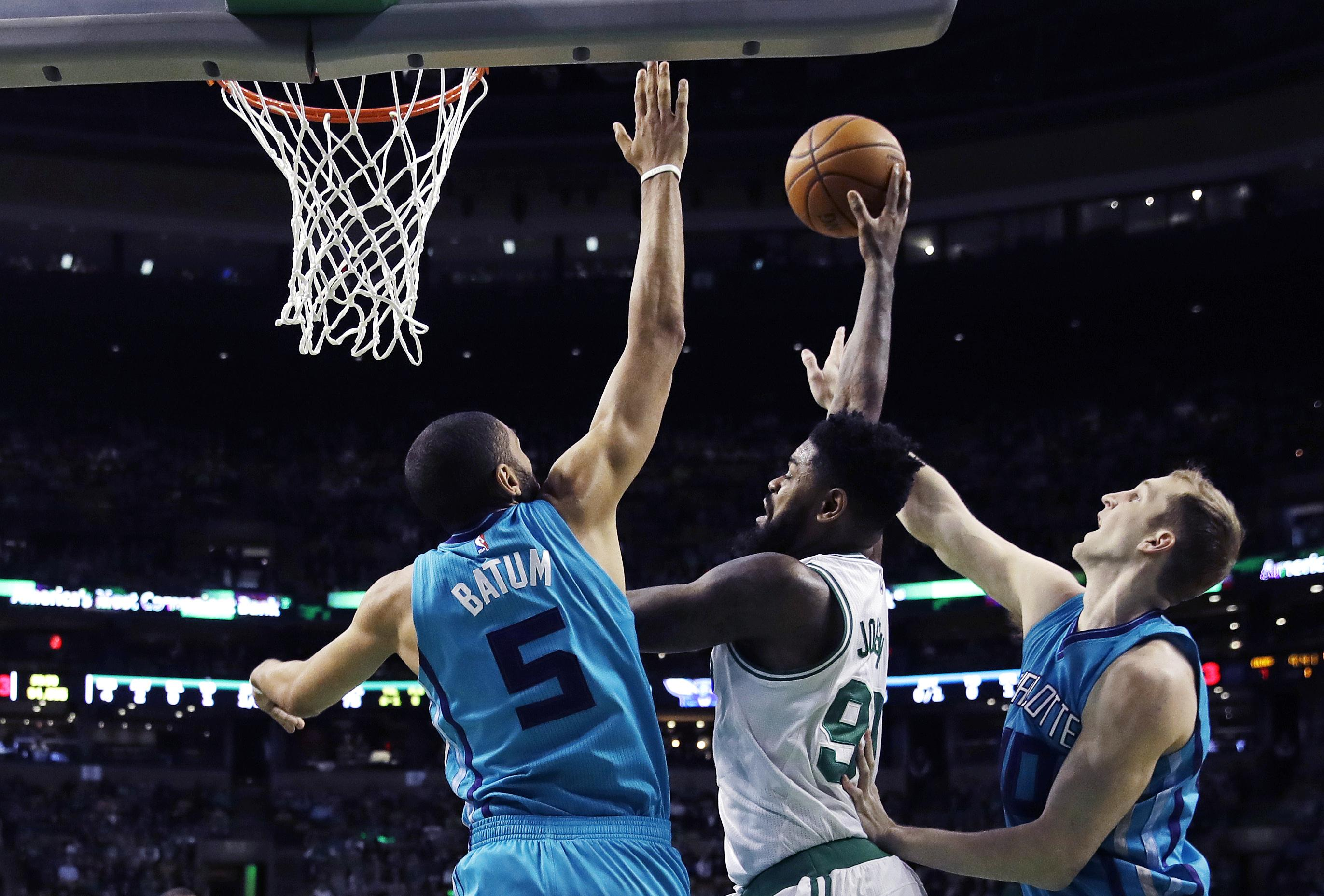 Hornets_celtics_basketball_63383