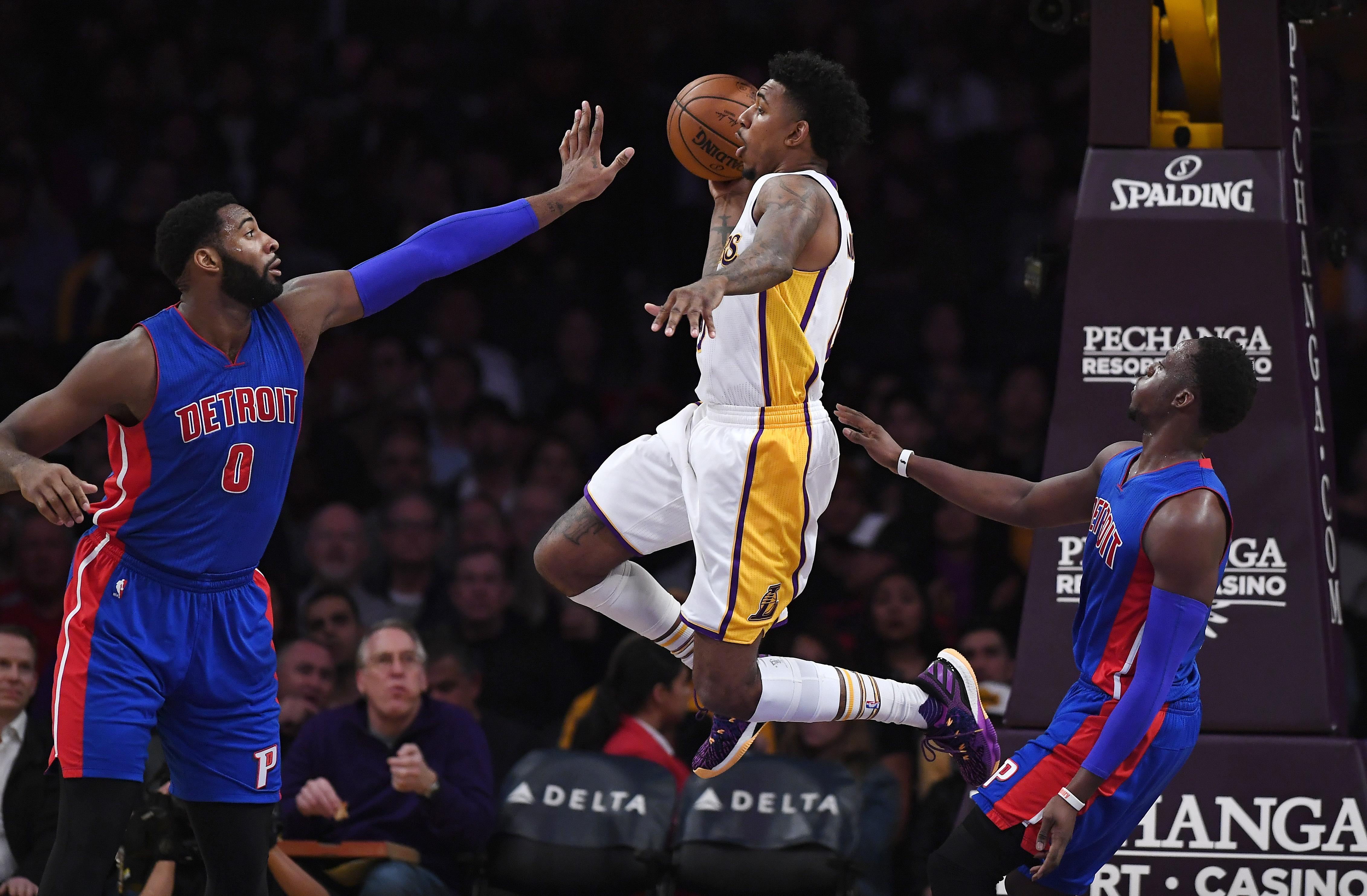 Pistons_lakers_basketball_05890