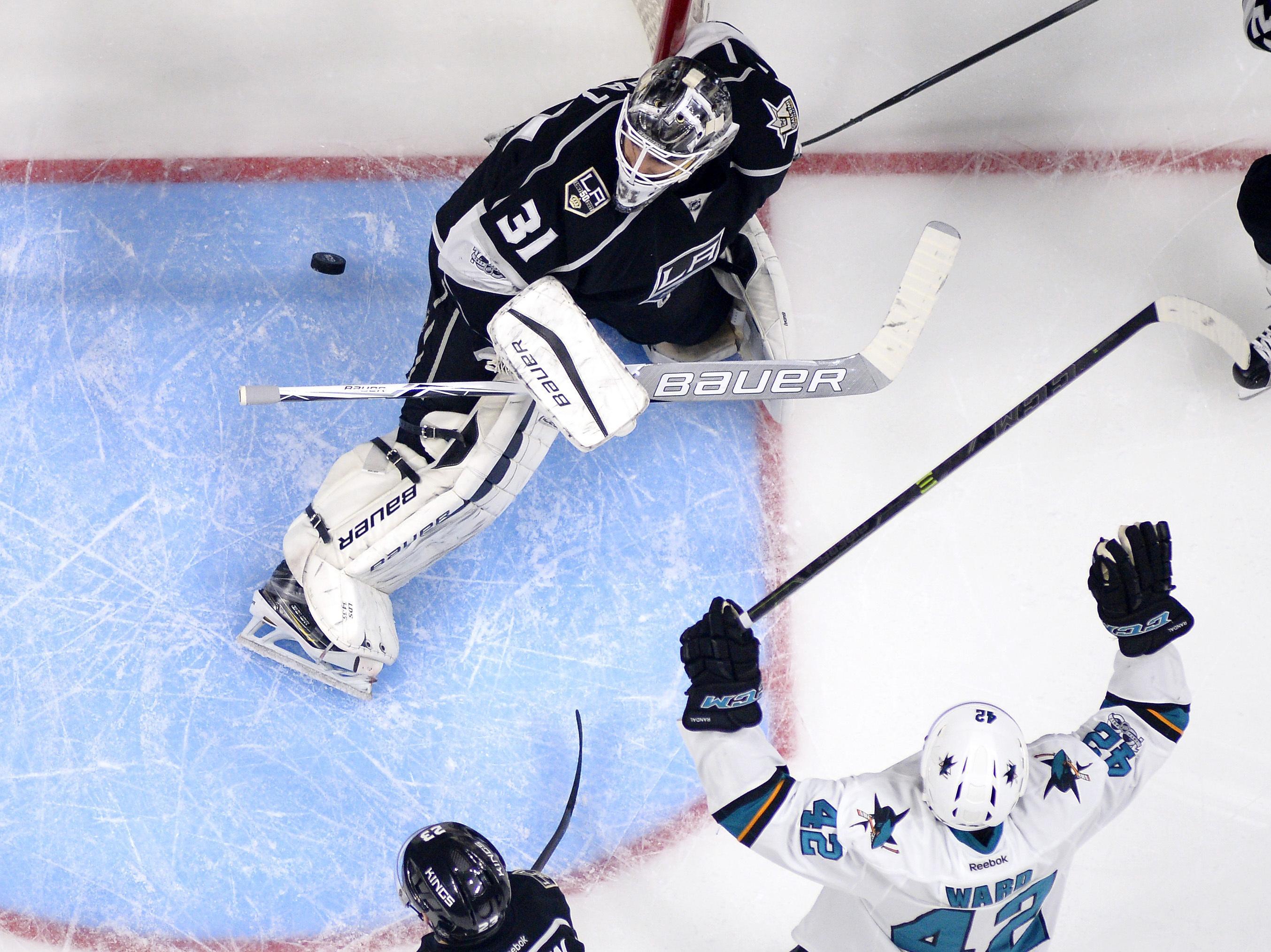 Sharks_kings_hockey_80046