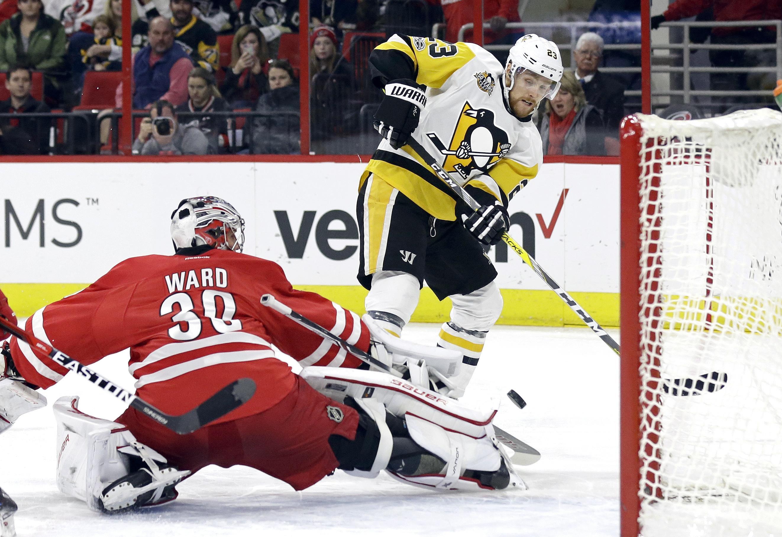 Penguins_hurricanes_hockey_68272