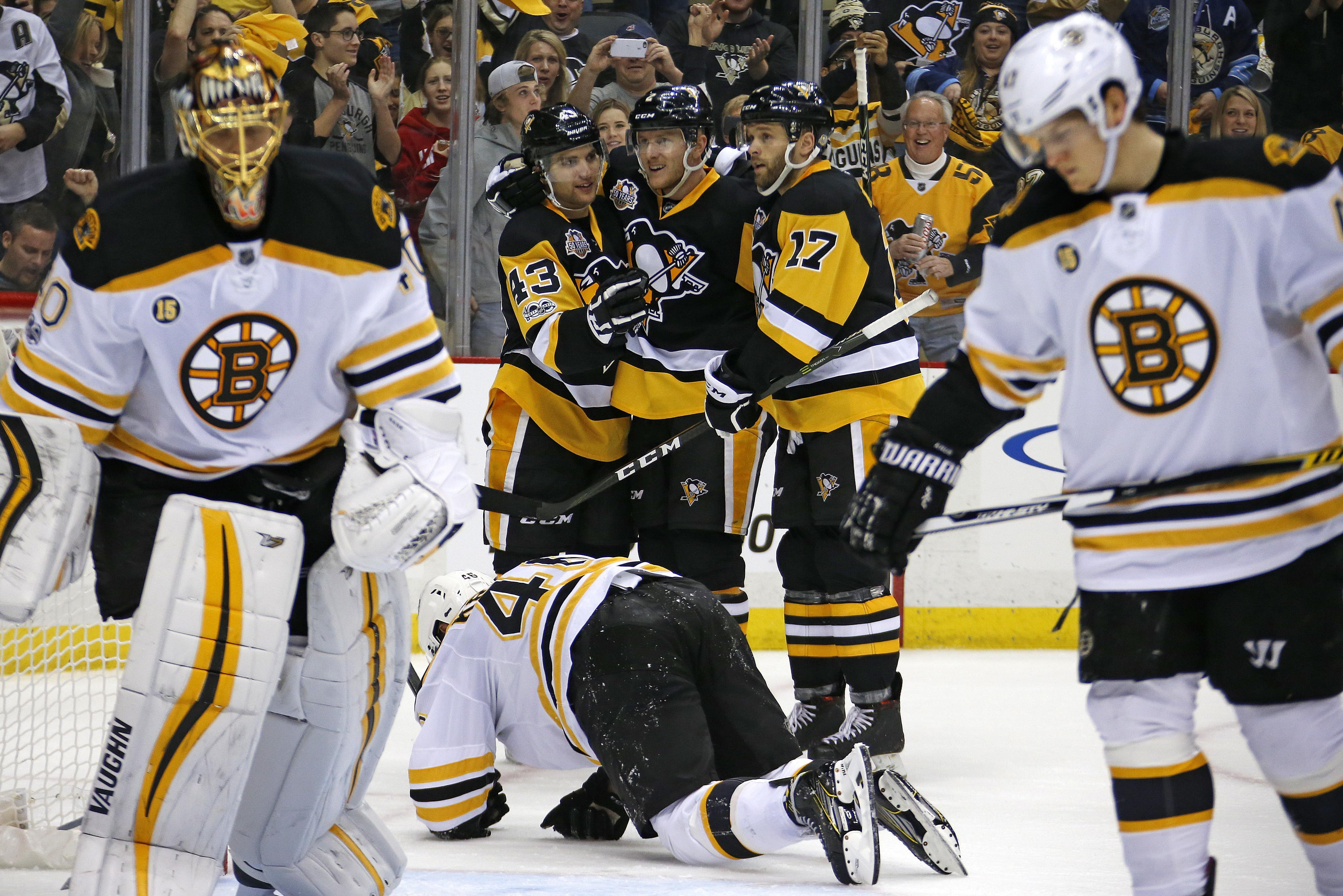 Bruins_penguins_hockey_67886
