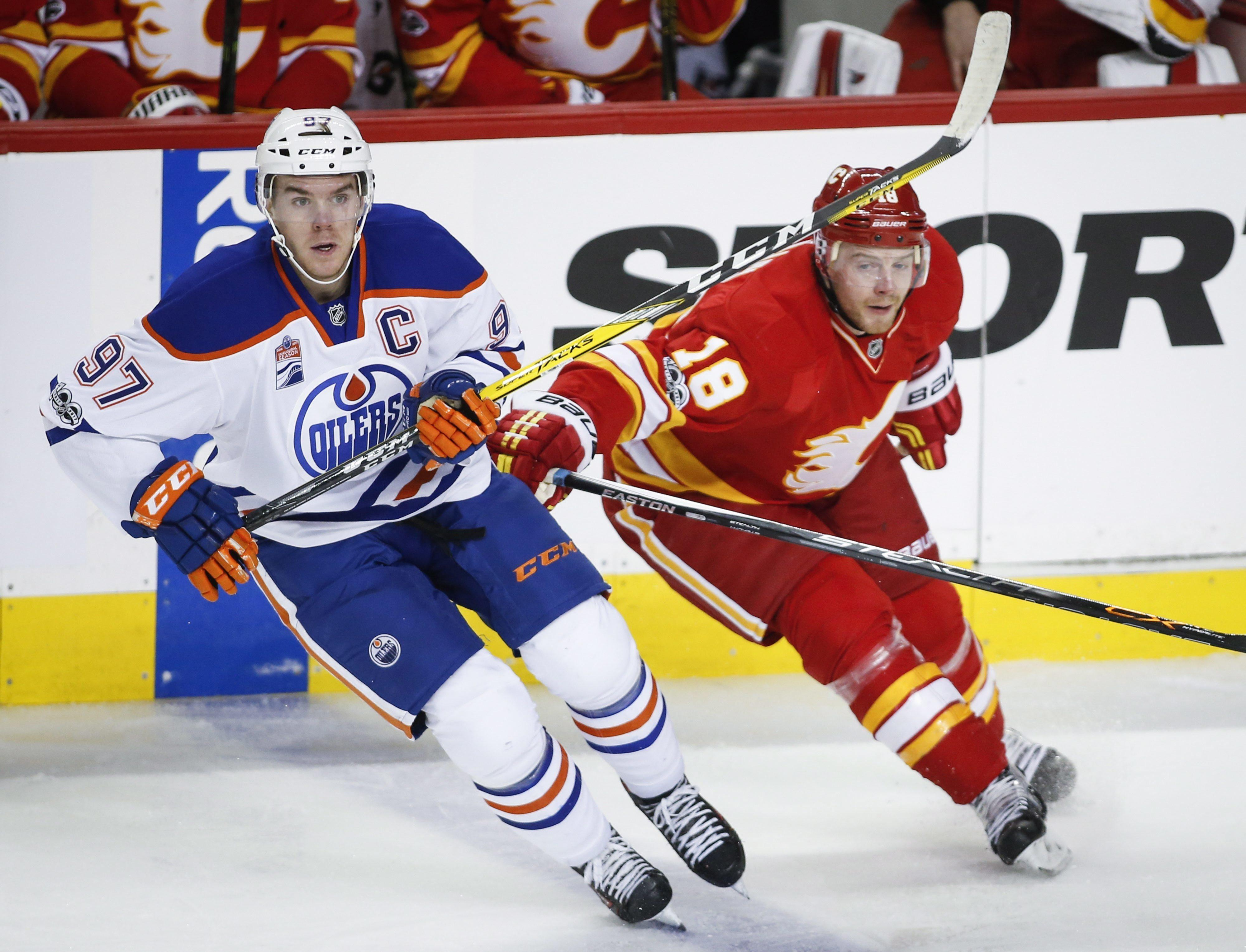 Oilers_flames_hockey_14770