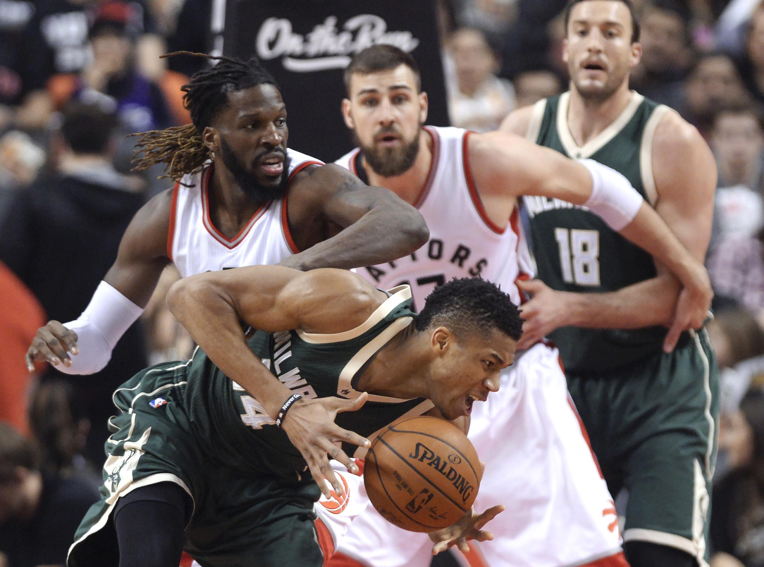 Bucks_giannis_the_playmaker_basketball_17315