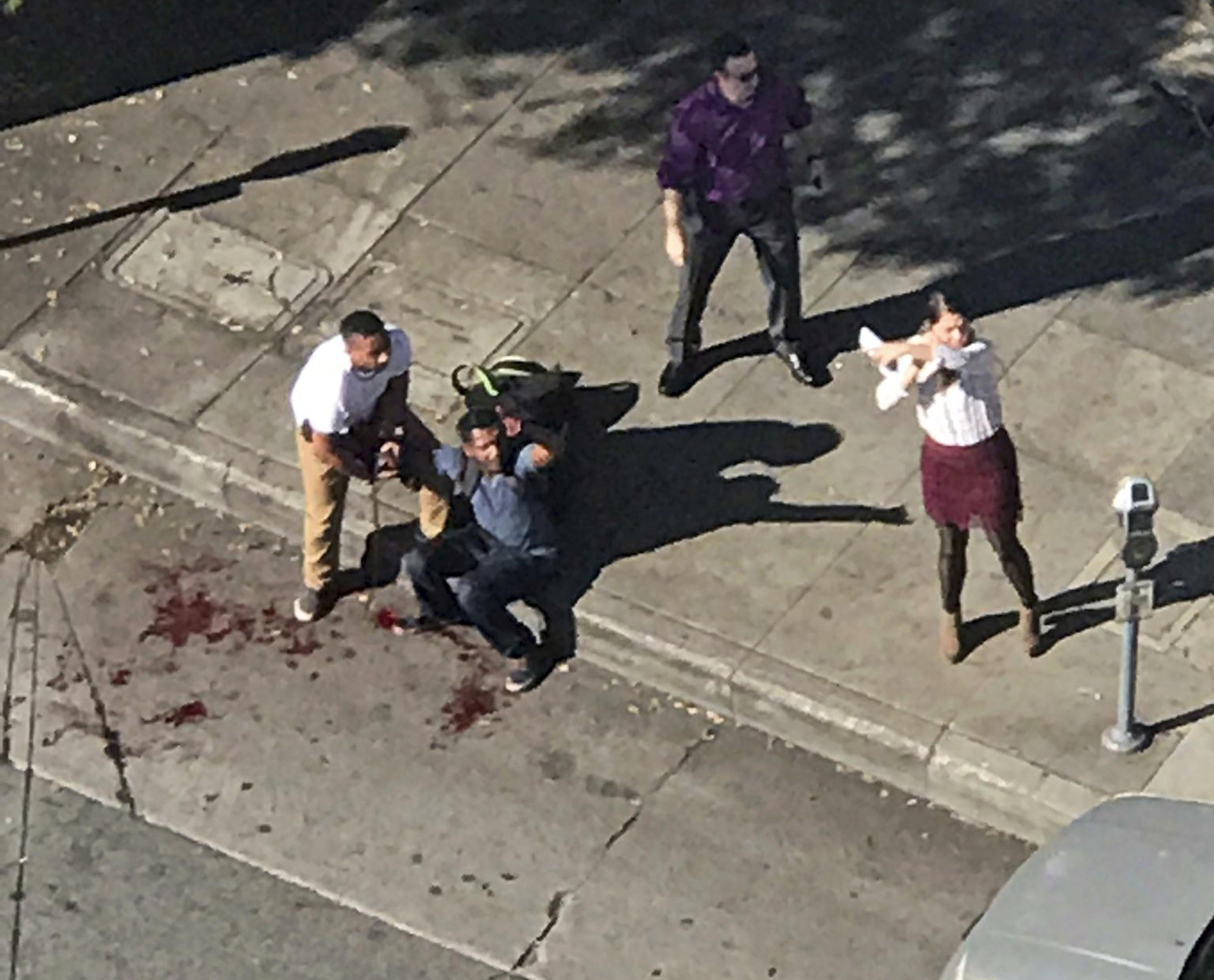 Police kill man in stabbing rampage on sunset boulevard in hollywood los angeles times - Man Who Stabs 3 In Hollywood Restaurant Killed By Police Washington Times